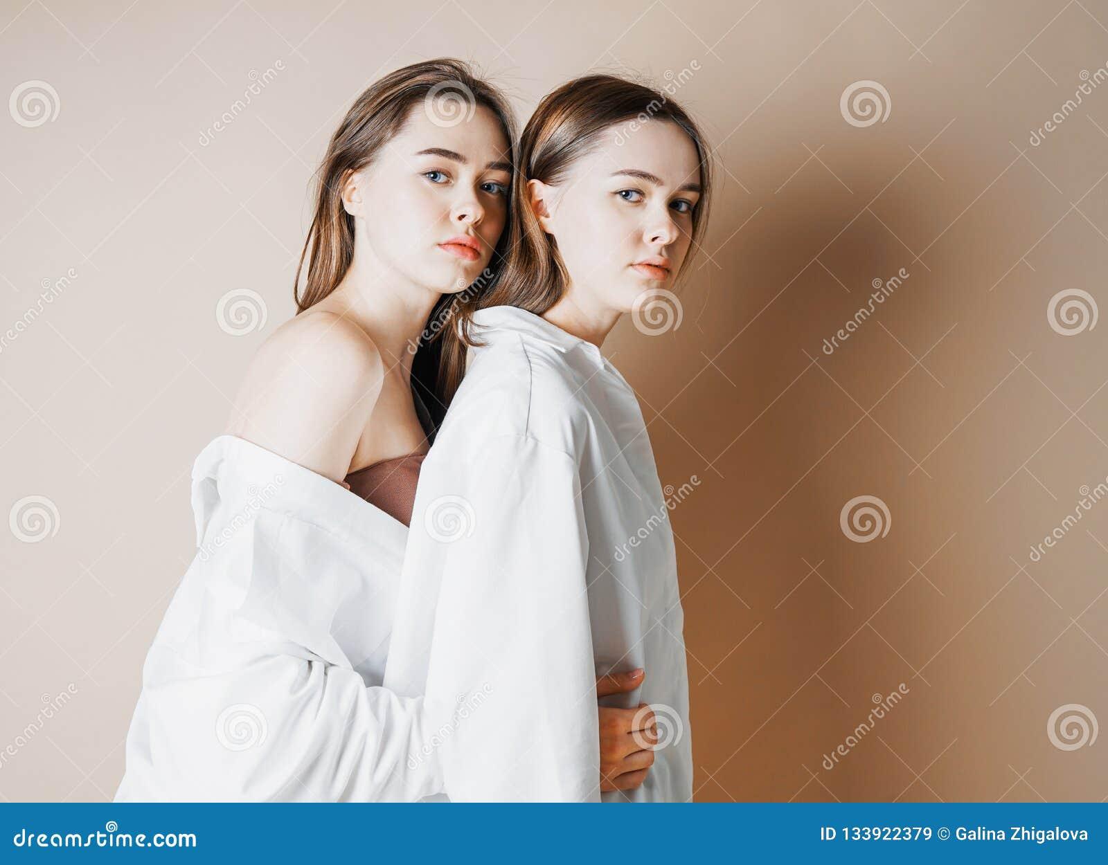 NUD κορίτσια εικόνα