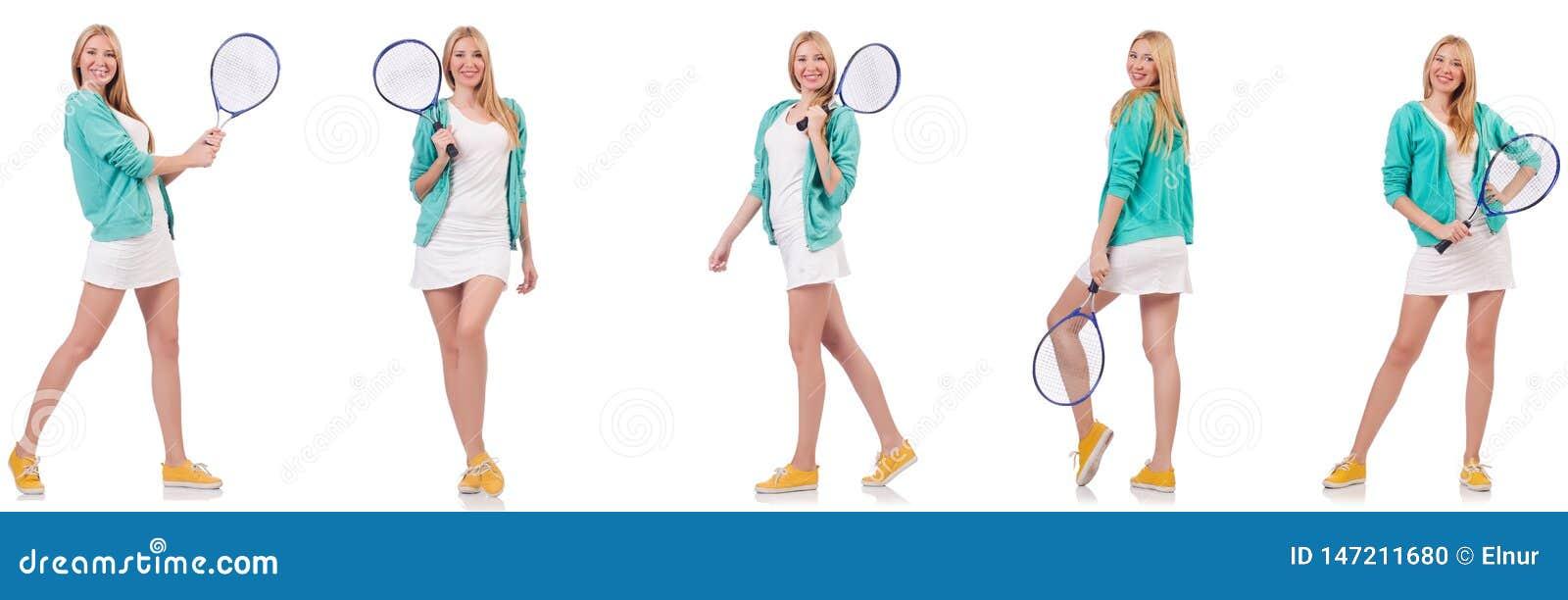 Η νέα όμορφη γυναικεία παίζοντας αντισφαίριση που απομονώνεται στο λευκό