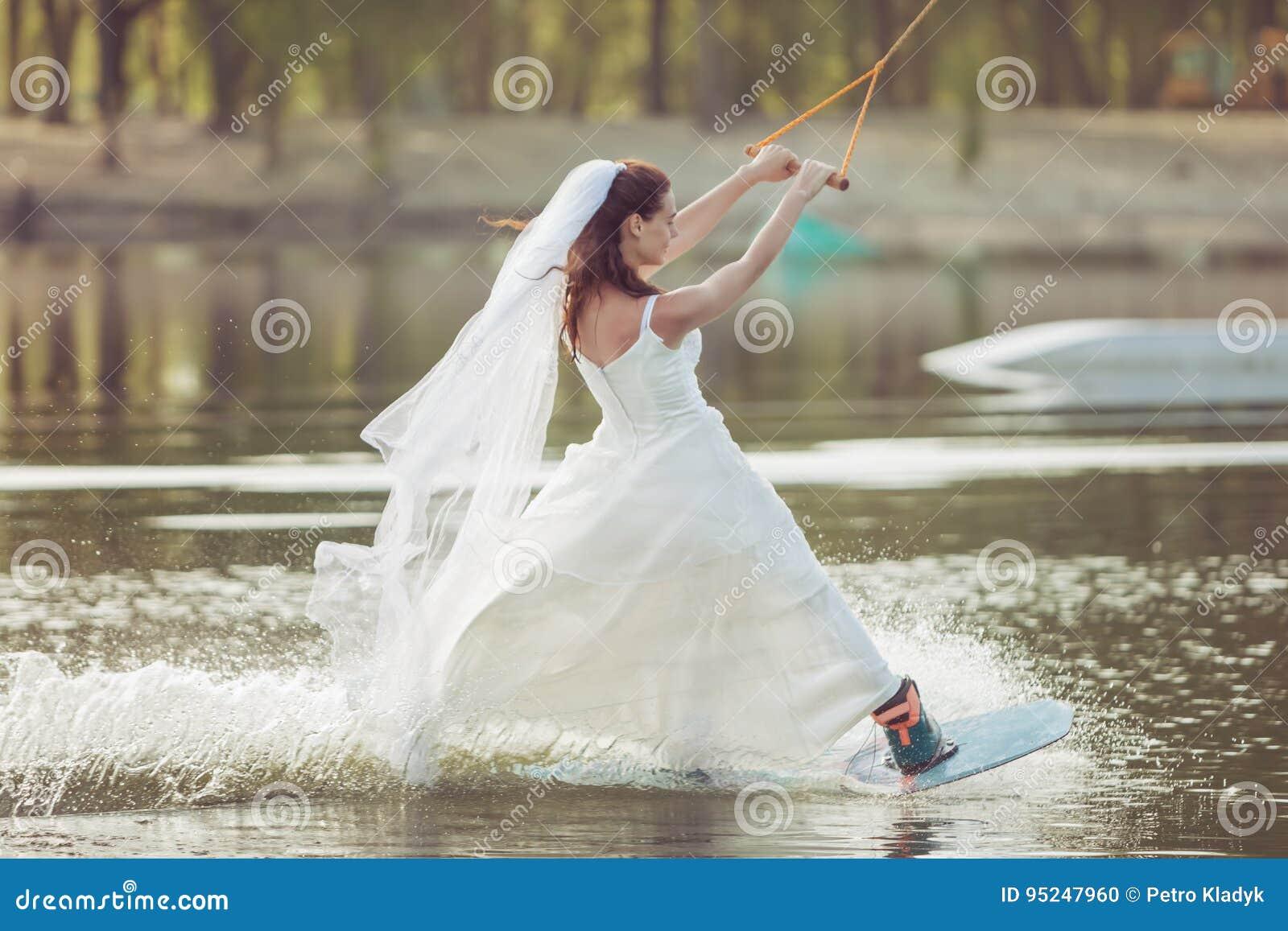 Η νύφη είναι ακραία φίλαθλος