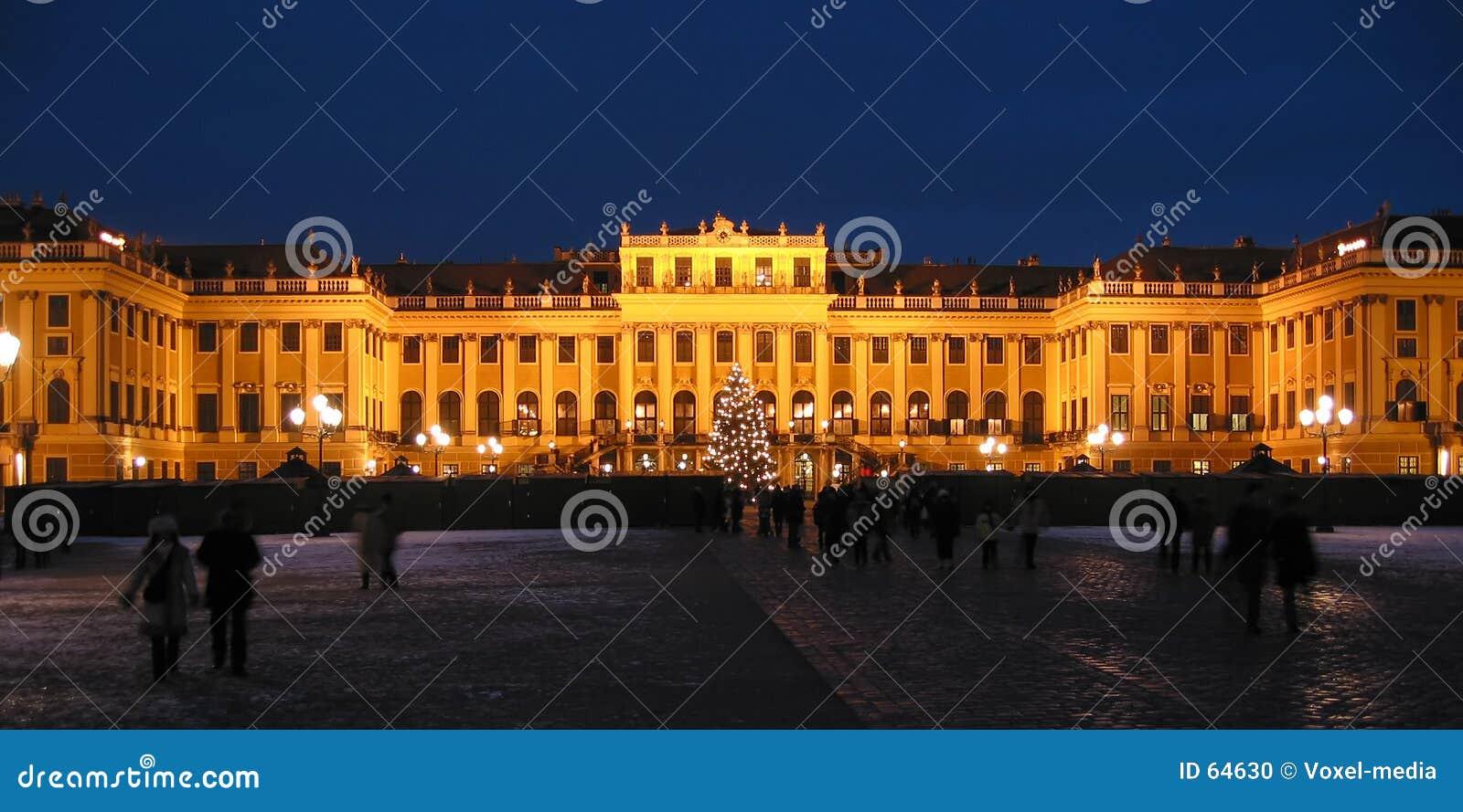 Download η νύχτα Schoenbrunn Βιέννη κάστρων Στοκ Εικόνες - εικόνα από θηλυπρεπής, παλάτι: 64630