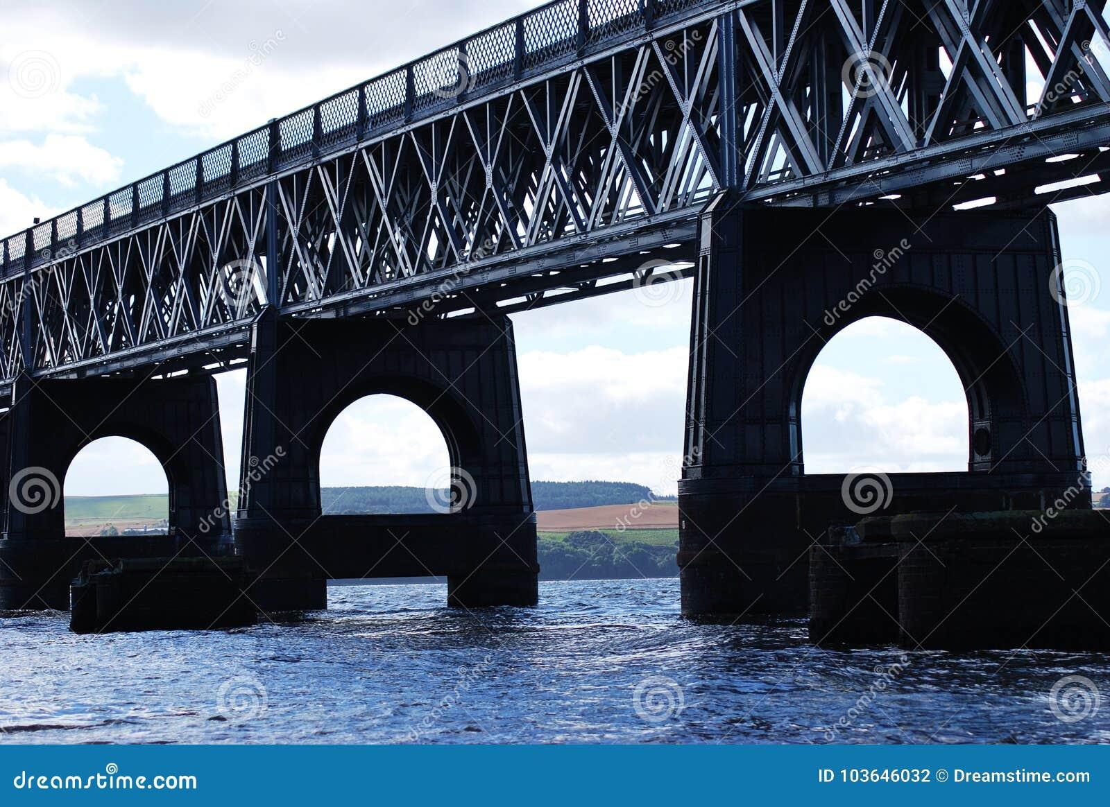 Η οδική γέφυρα Tay στο Dundee