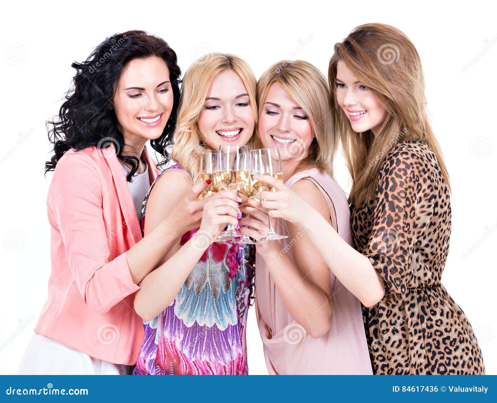 Η ομάδα νέων ευτυχών γυναικών έχει το κόμμα