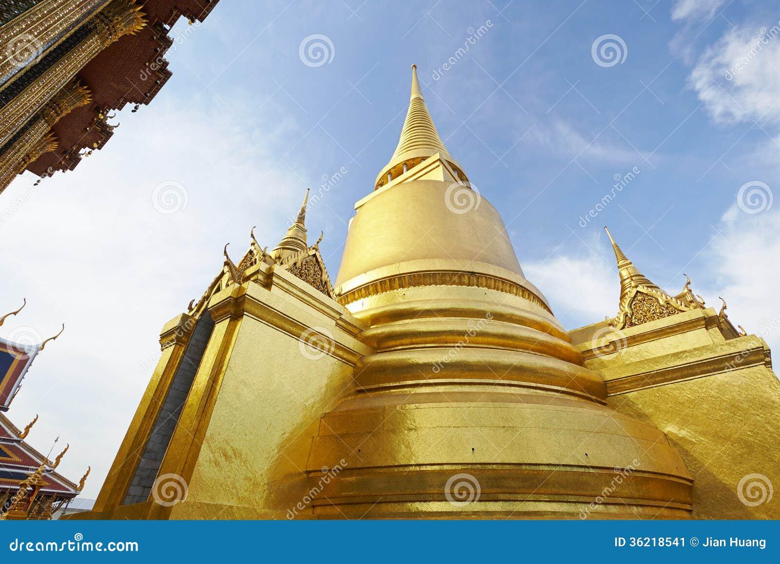 Η παγόδα στο μεγάλο παλάτι στη Μπανγκόκ