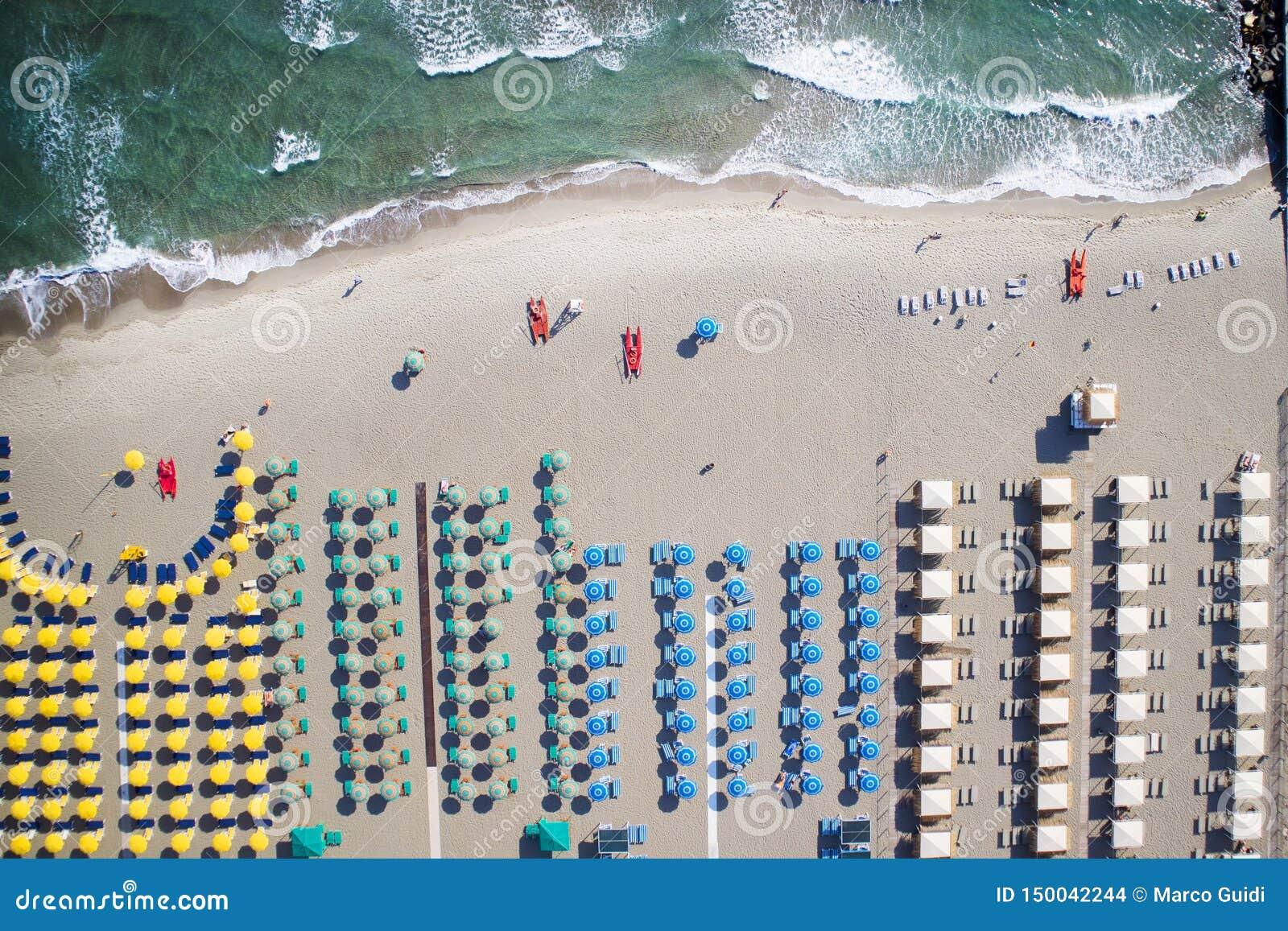 Η παραλία του dei Marmi Forte