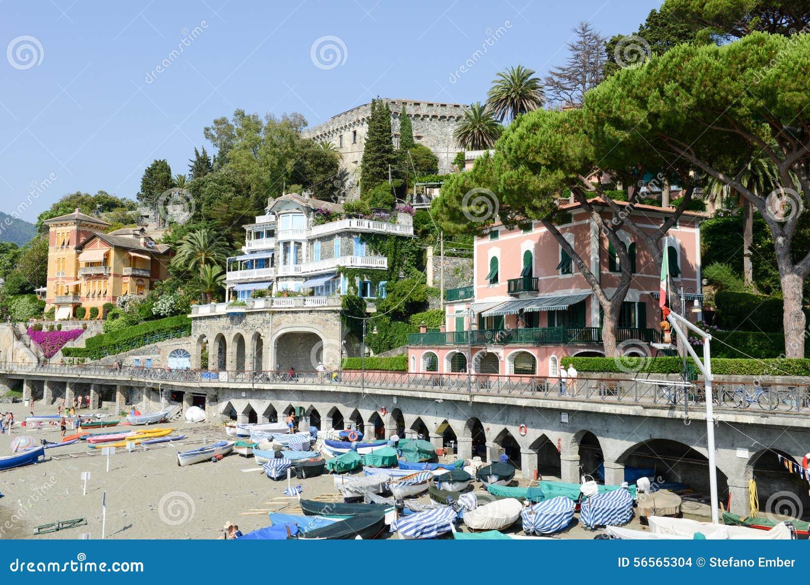 Download Η παραλία Levanto στη Λιγυρία, Ιταλία Εκδοτική Στοκ Εικόνα - εικόνα από ανατολή, ιταλικά: 56565304