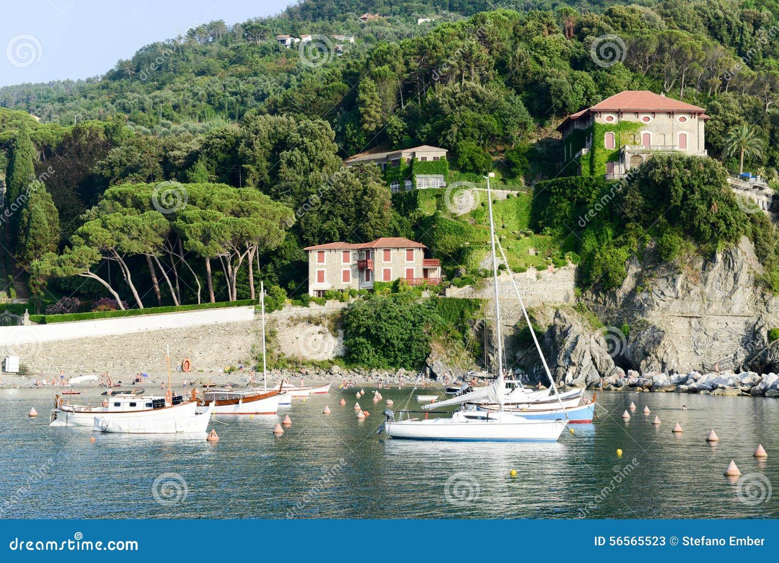 Download Η παραλία Levanto στη Λιγυρία, Ιταλία Εκδοτική Στοκ Εικόνες - εικόνα από τουρισμός, φυσικός: 56565523