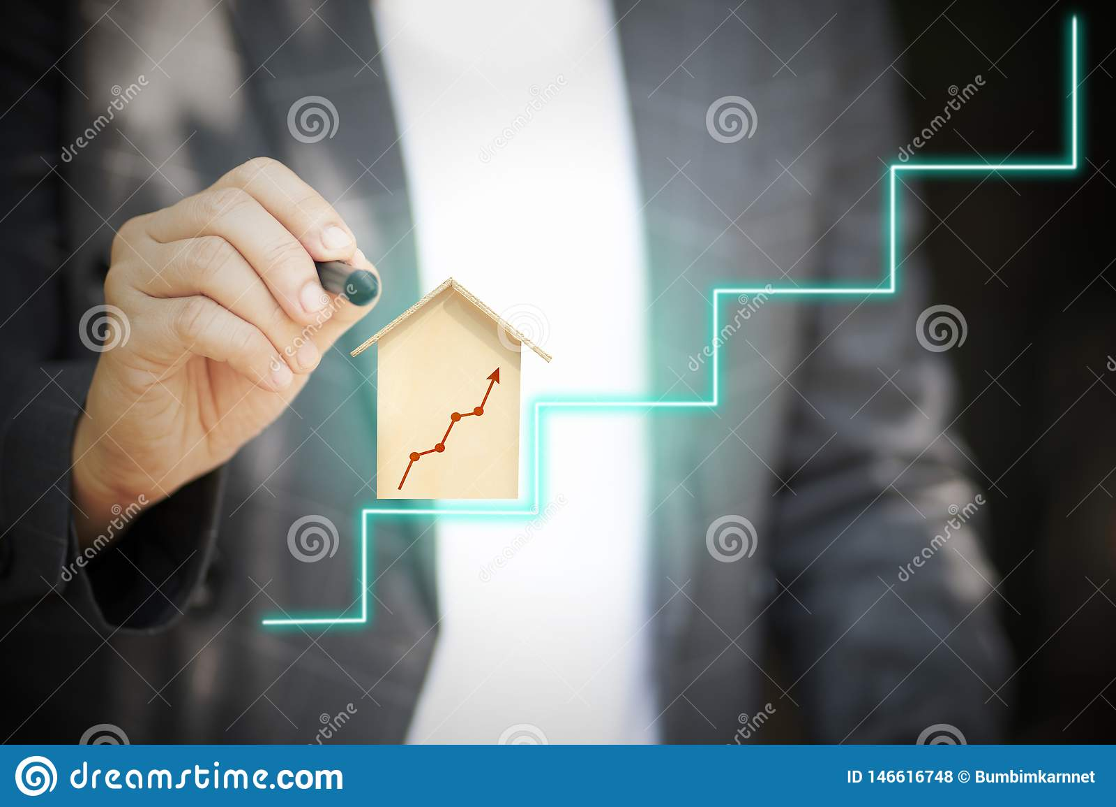 Η προηγμένη επικοινωνία καθιστά τις συναλλαγές εύκολες με τα κοινωνικά συστήματα δικτύωσης