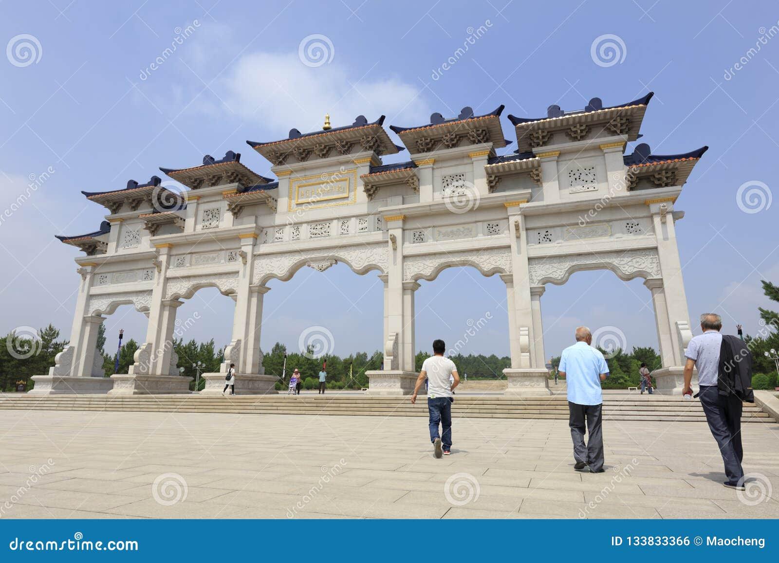 Η πύλη του khan μαυσωλείου genghis, πλίθα rgb