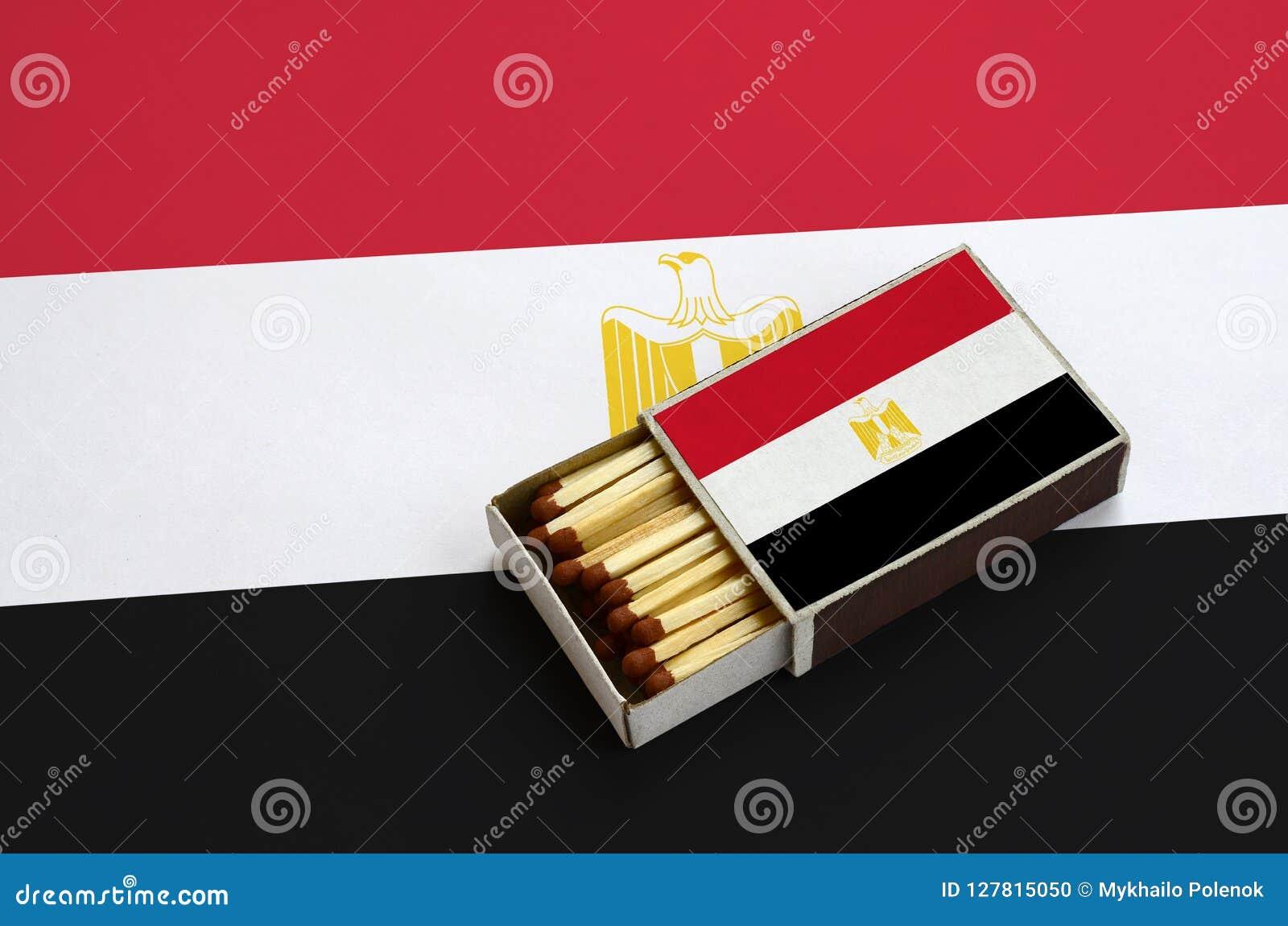 Η σημαία της Αιγύπτου παρουσιάζεται σε ένα ανοικτό σπιρτόκουτο, το οποίο γεμίζουν με τις αντιστοιχίες και βρίσκεται σε μια μεγάλη