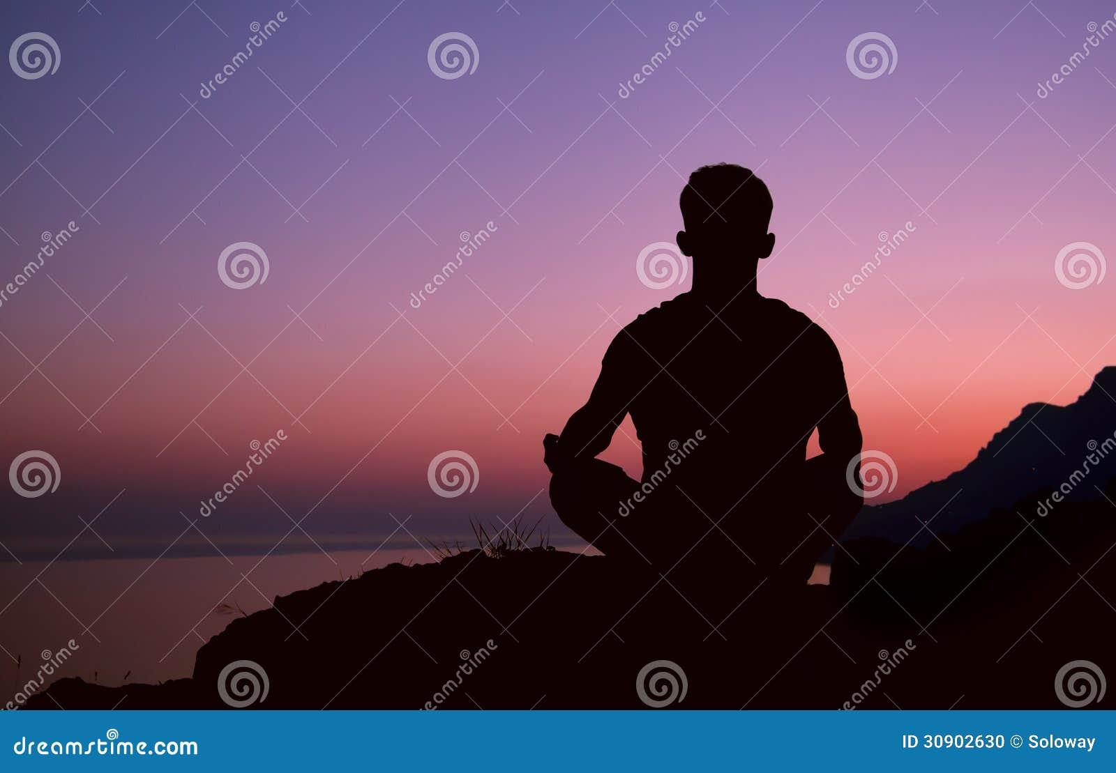 Η σκιαγραφία ατόμων συνεδρίασης στην περισυλλογή θέτει