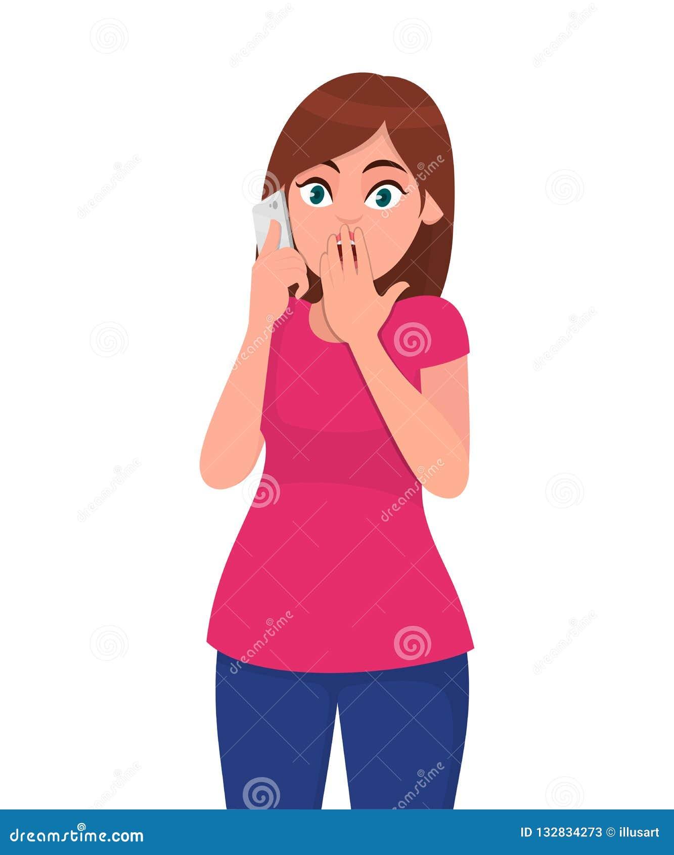 Η συγκλονισμένη νέα ομιλία γυναικών στο smartphone, καλύπτει το στόμα της με το χέρι, που συγκλονίζεται με την ντροπή για το λάθο