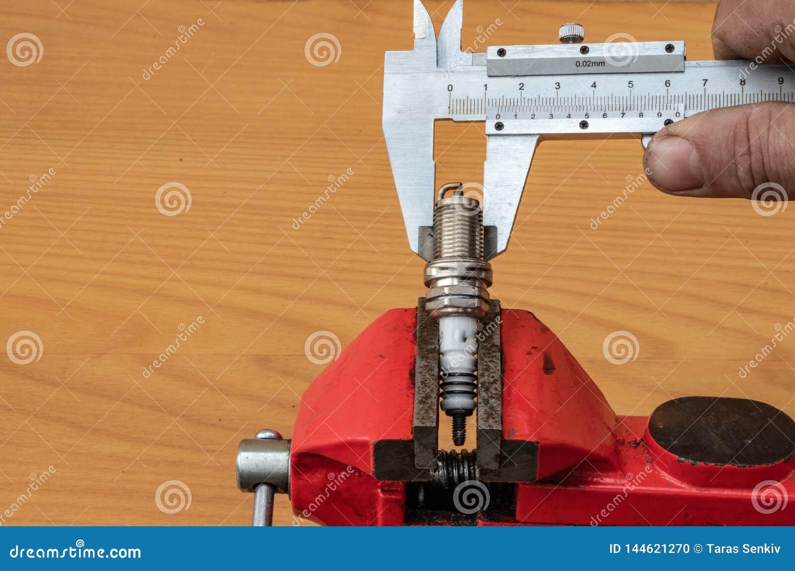 Η τεχνολογία της μέτρησης της διαμέτρου του σπινθήρα συνδέει τη χρησι