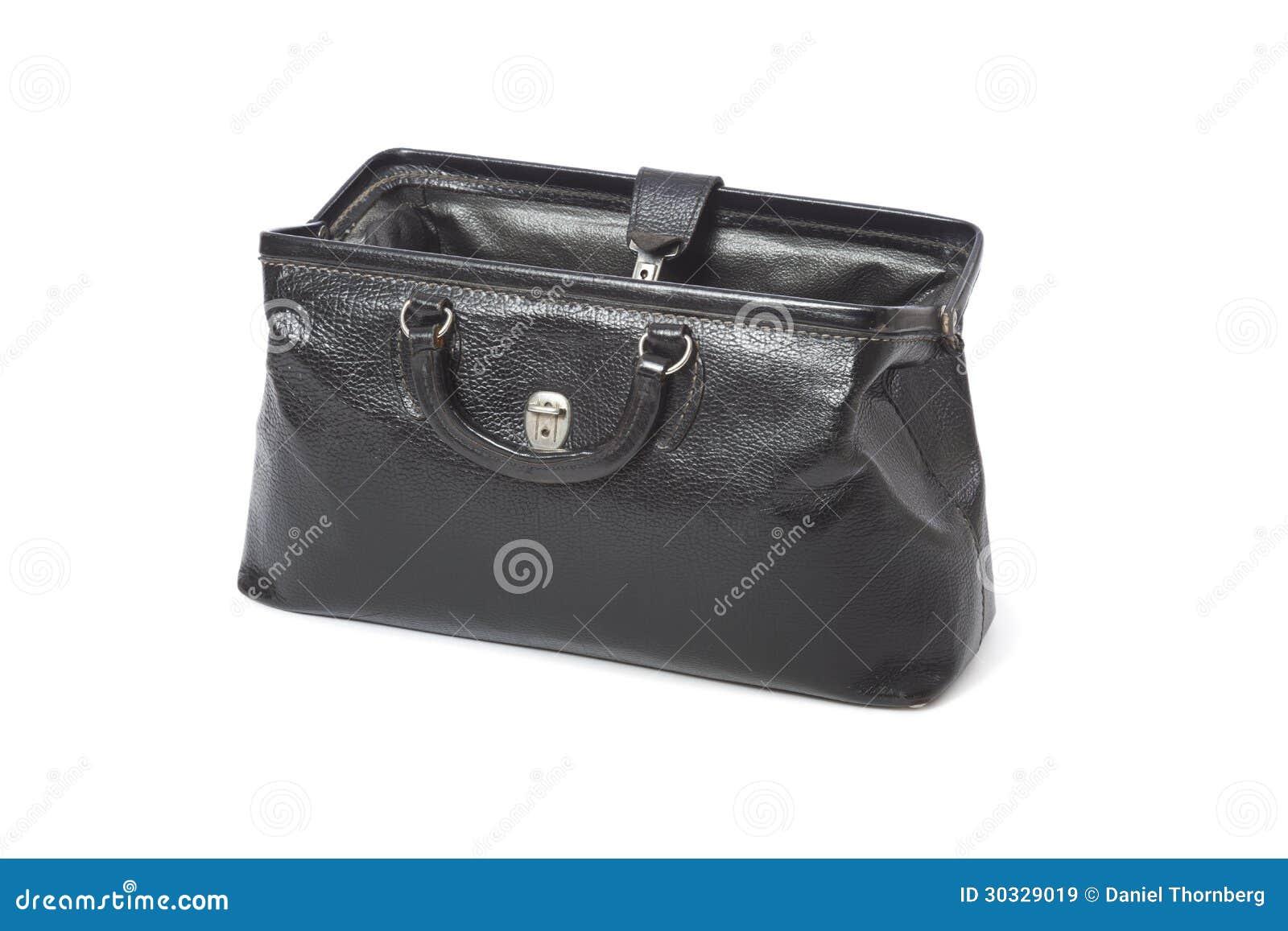 c316a77d09 Η τσάντα ενός ανοικτού εκλεκτής ποιότητας μαύρου δέρματος γιατρού που  απομονώνεται σε ένα άσπρο υπόβαθρο