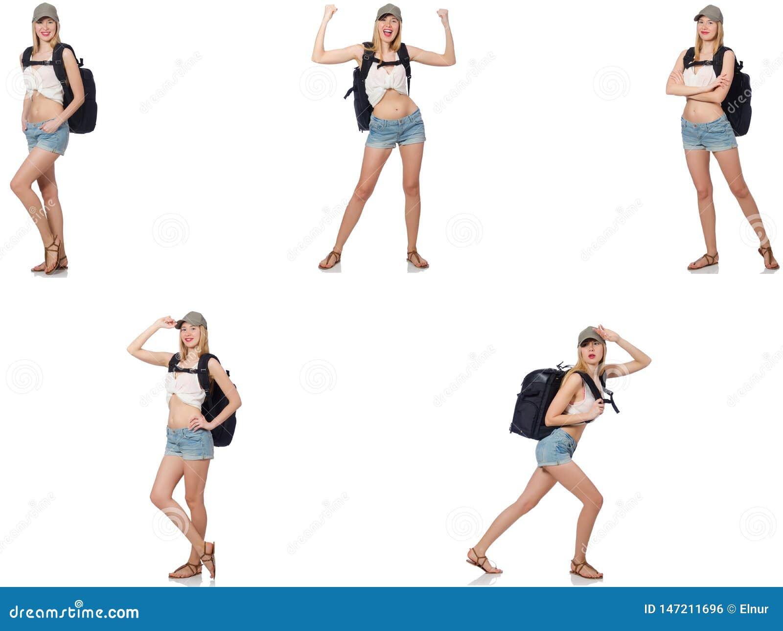 Η όμορφη γυναίκα στα σορτς με το σακίδιο πλάτης