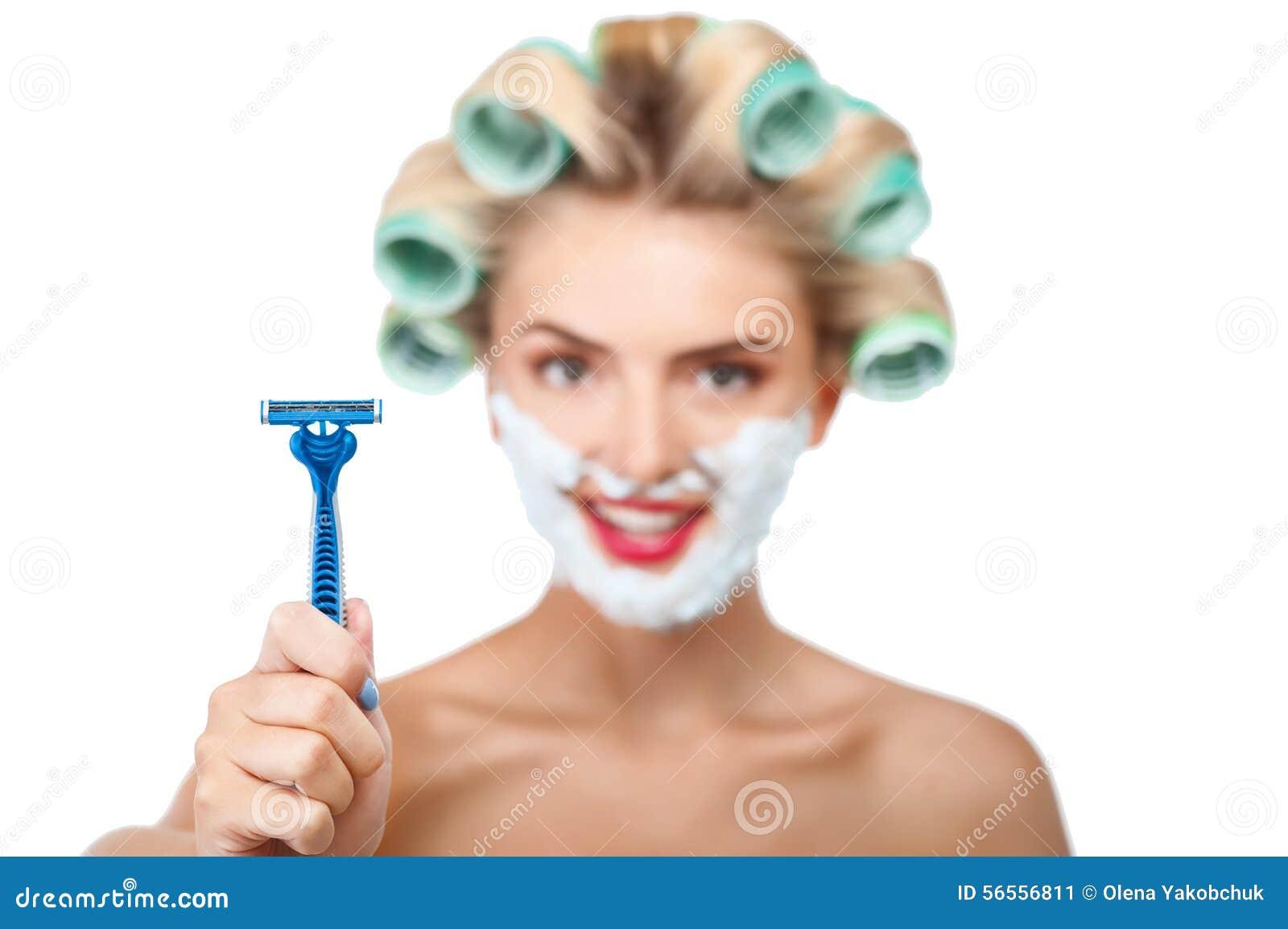 Download Η όμορφη νέα νοικοκυρά προετοιμάζεται για το ξύρισμα Στοκ Εικόνα - εικόνα από ανθρώπινος, pinup: 56556811