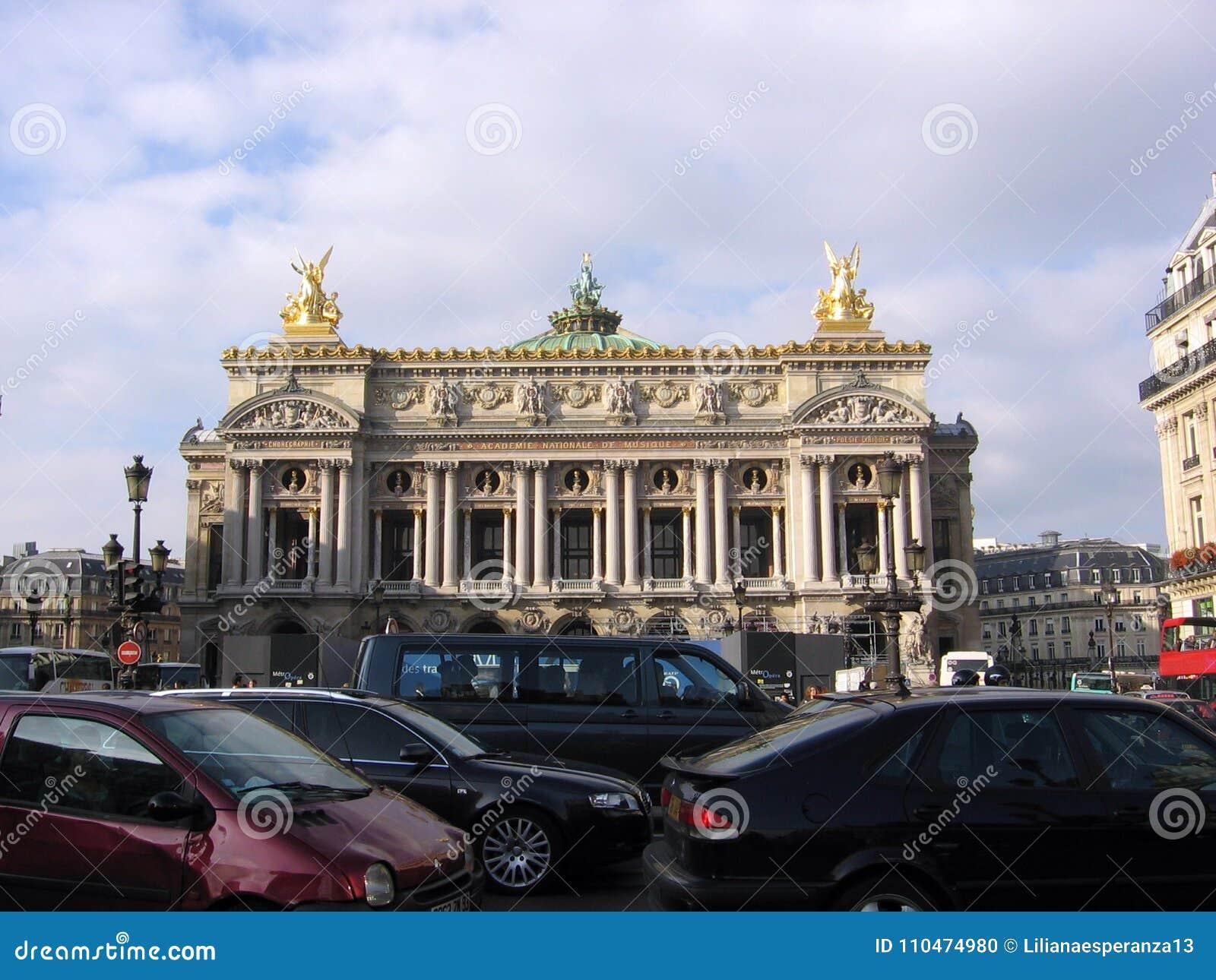 Η όπερα Opéra εθνικό de Παρίσι του Παρισιού ένα από τα παλαιότερα όργανα του είδους του στην Ευρώπη