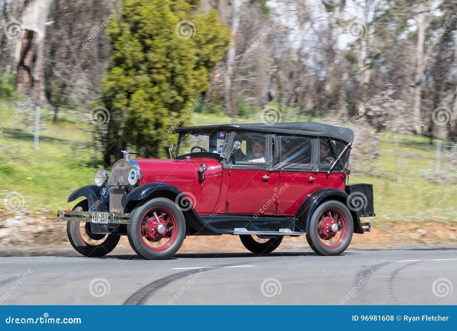 1929 η Ford διαμορφώνει ένα Tourer