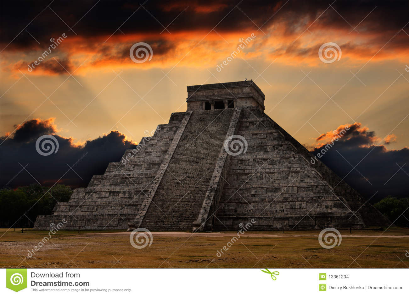 η mayan πυραμίδα του Μεξικού itza