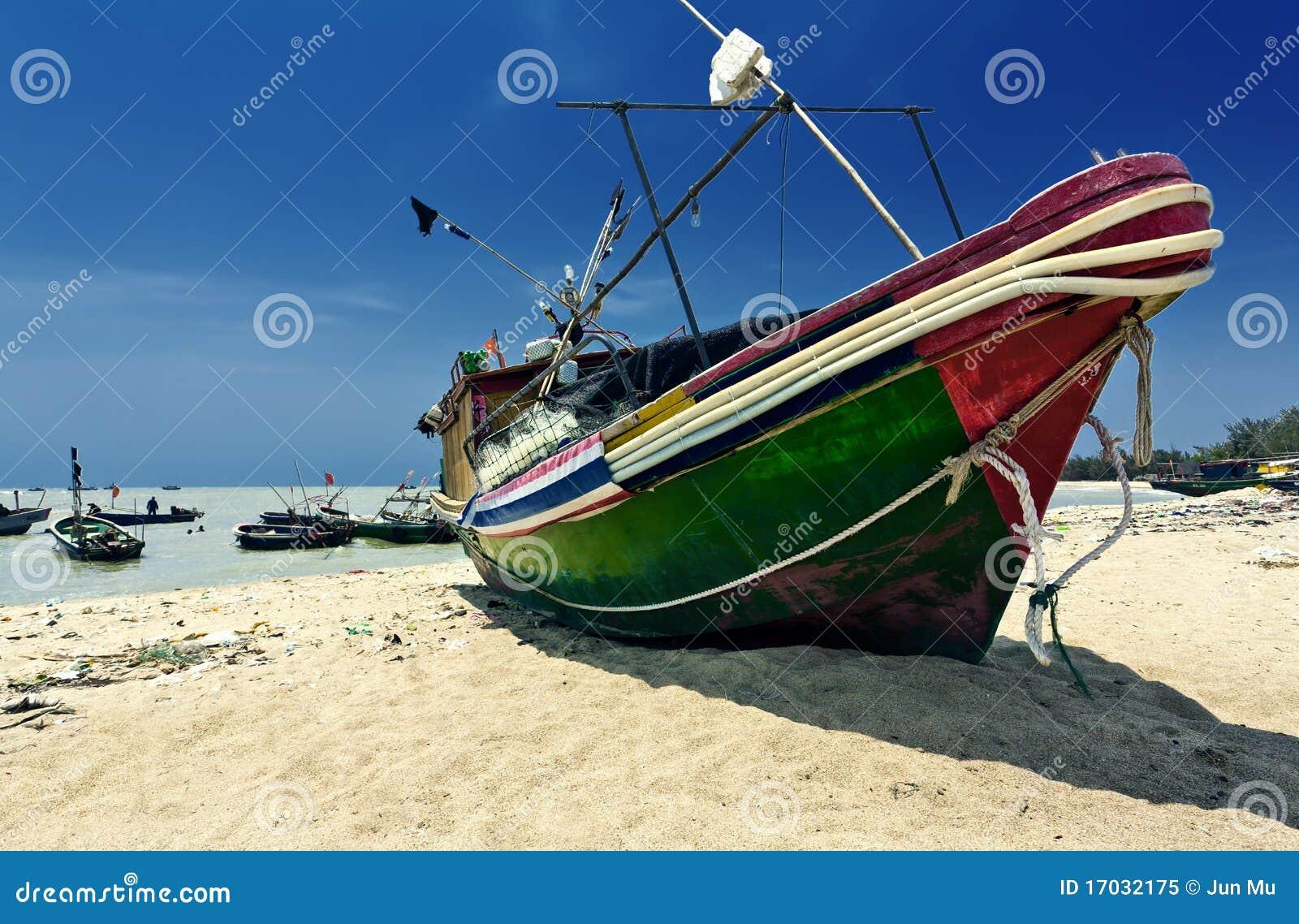 θάλασσα βαρκών