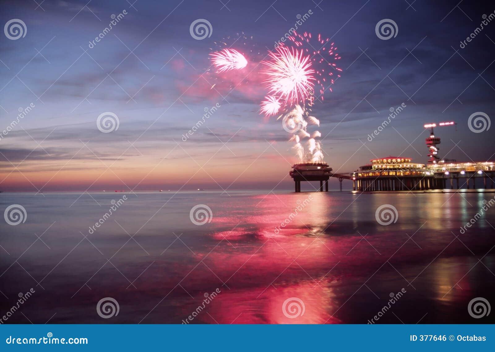 θάλασσα πυροτεχνημάτων