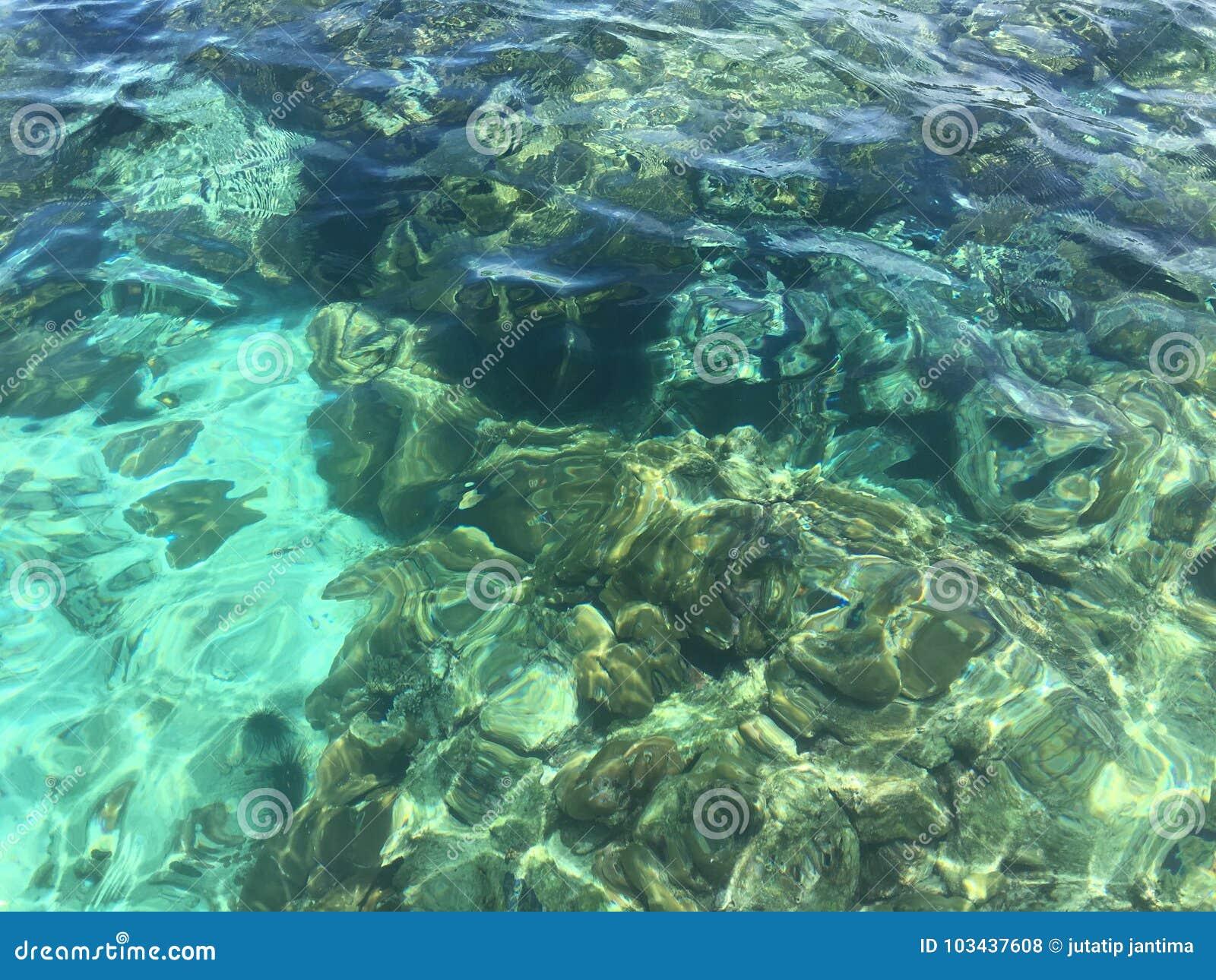 Θαλάσσιο νερό στο lipe του thailland