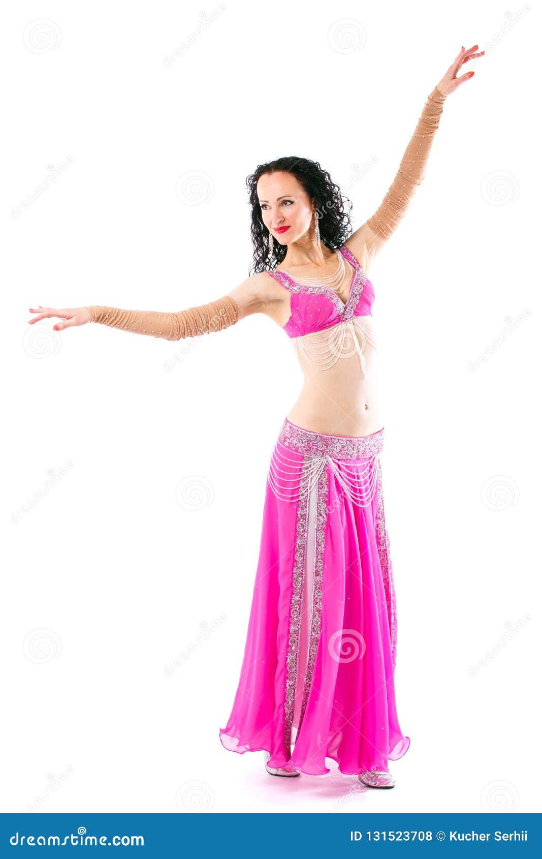 Θαυμάσιο brunette στο ρόδινο φόρεμα ενός ασιατικού χορευτή