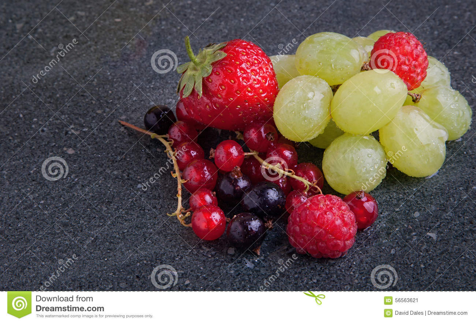 Download Θερινά φρούτα στοκ εικόνα. εικόνα από καρποί, dieting - 56563621