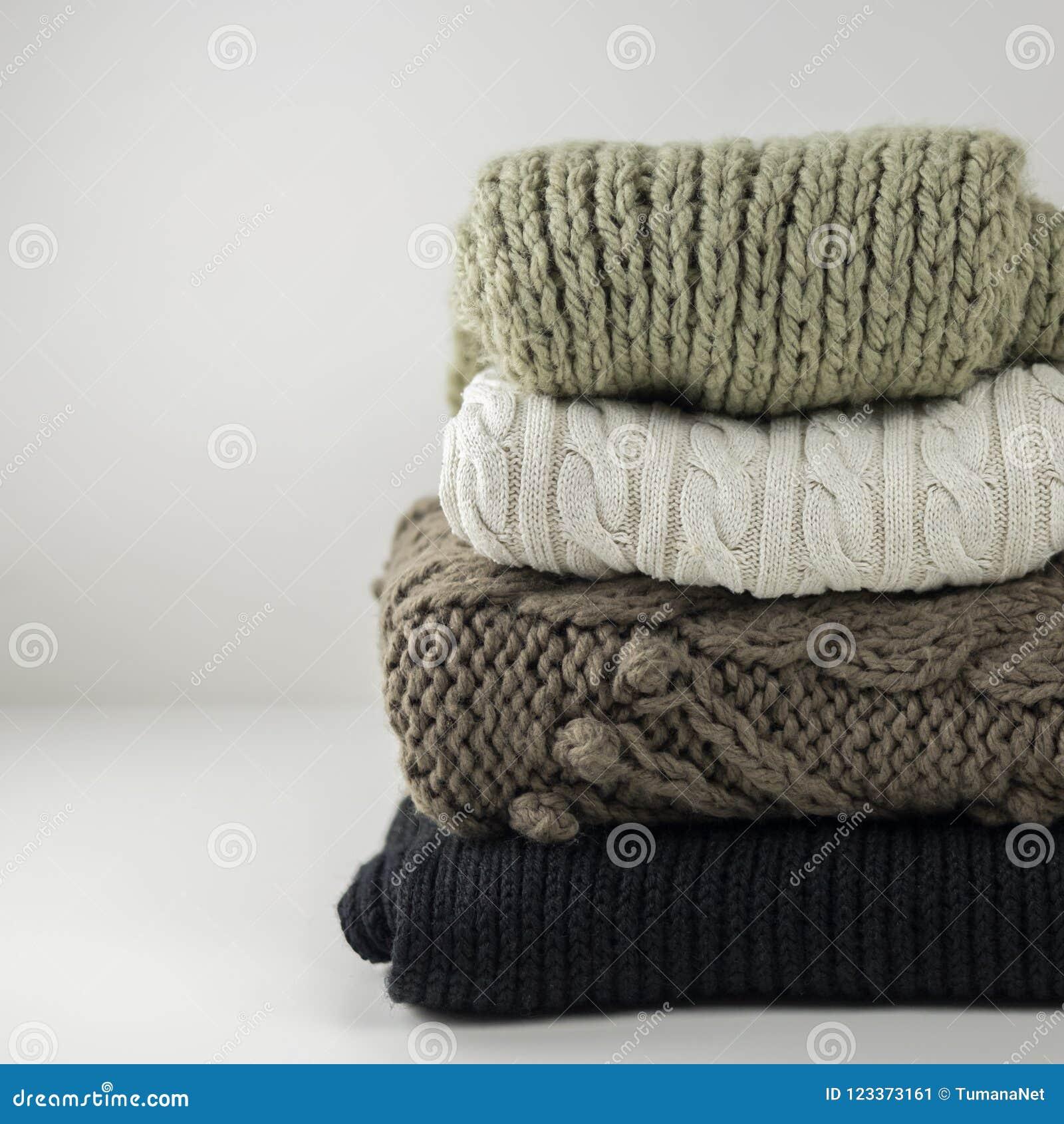 cd994adf29d0 Θερμά μάλλινα πλεκτά ενδύματα χειμώνα και φθινοπώρου