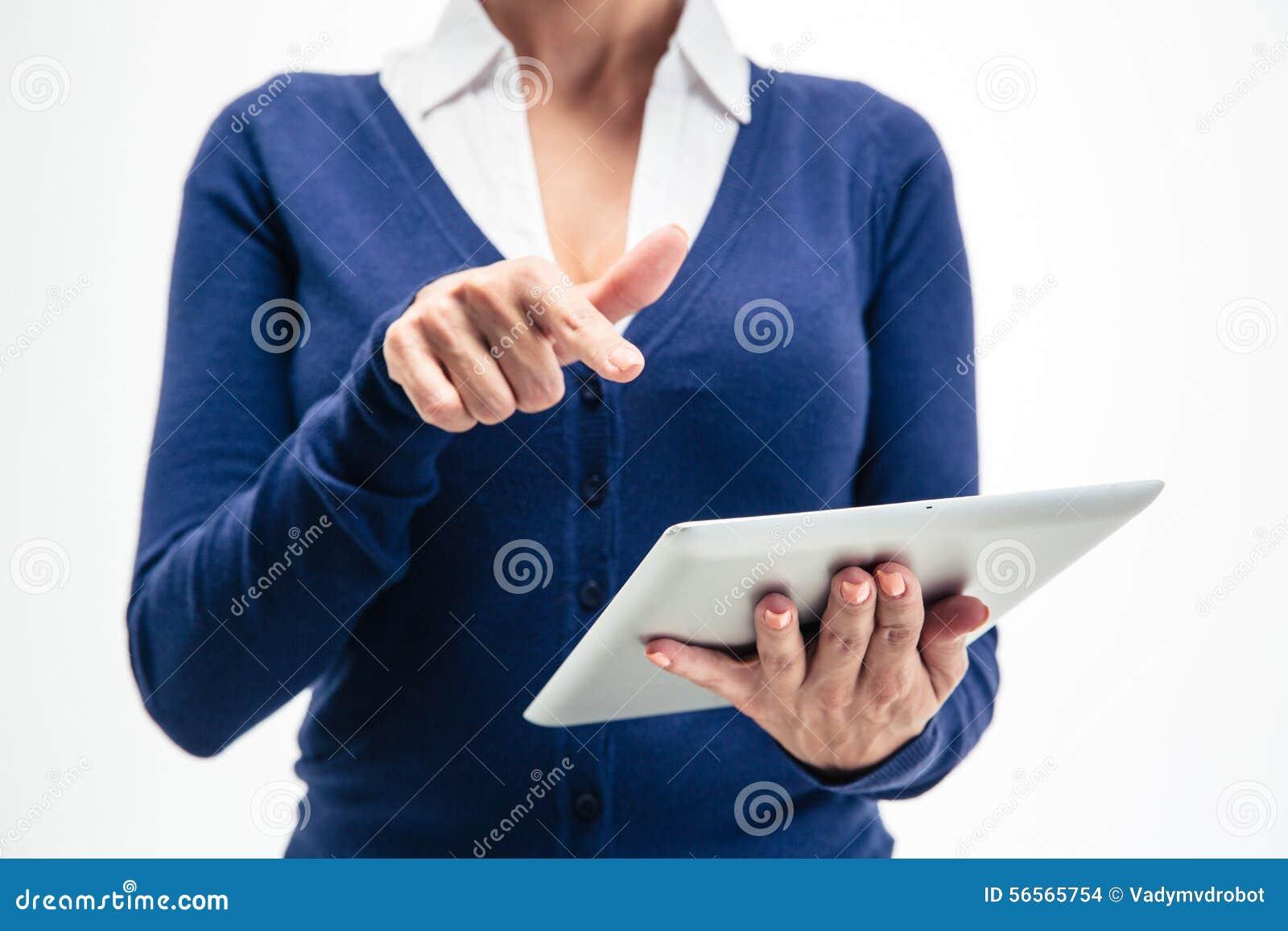 Download Θηλυκά χέρια που χρησιμοποιούν τον υπολογιστή ταμπλετών Στοκ Εικόνες - εικόνα από άσπρος, επιχείρηση: 56565754