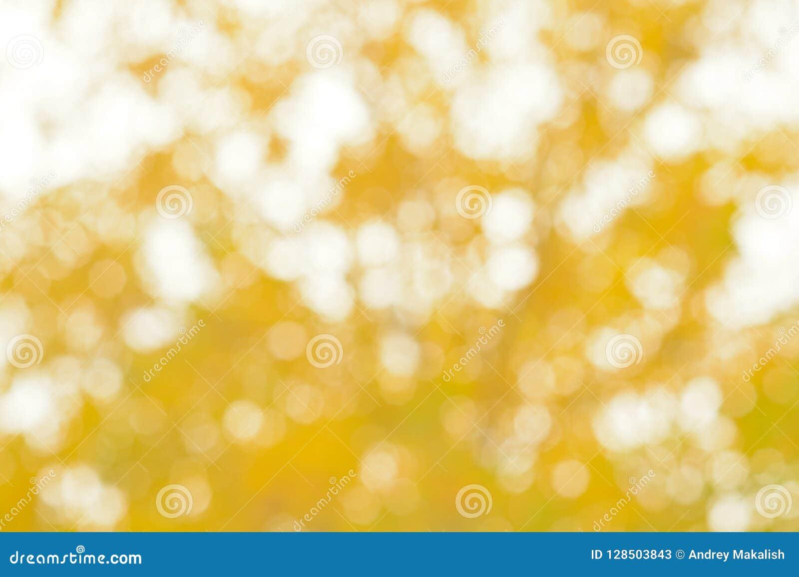 Θολωμένο αφηρημένο υπόβαθρο των κίτρινων φύλλων
