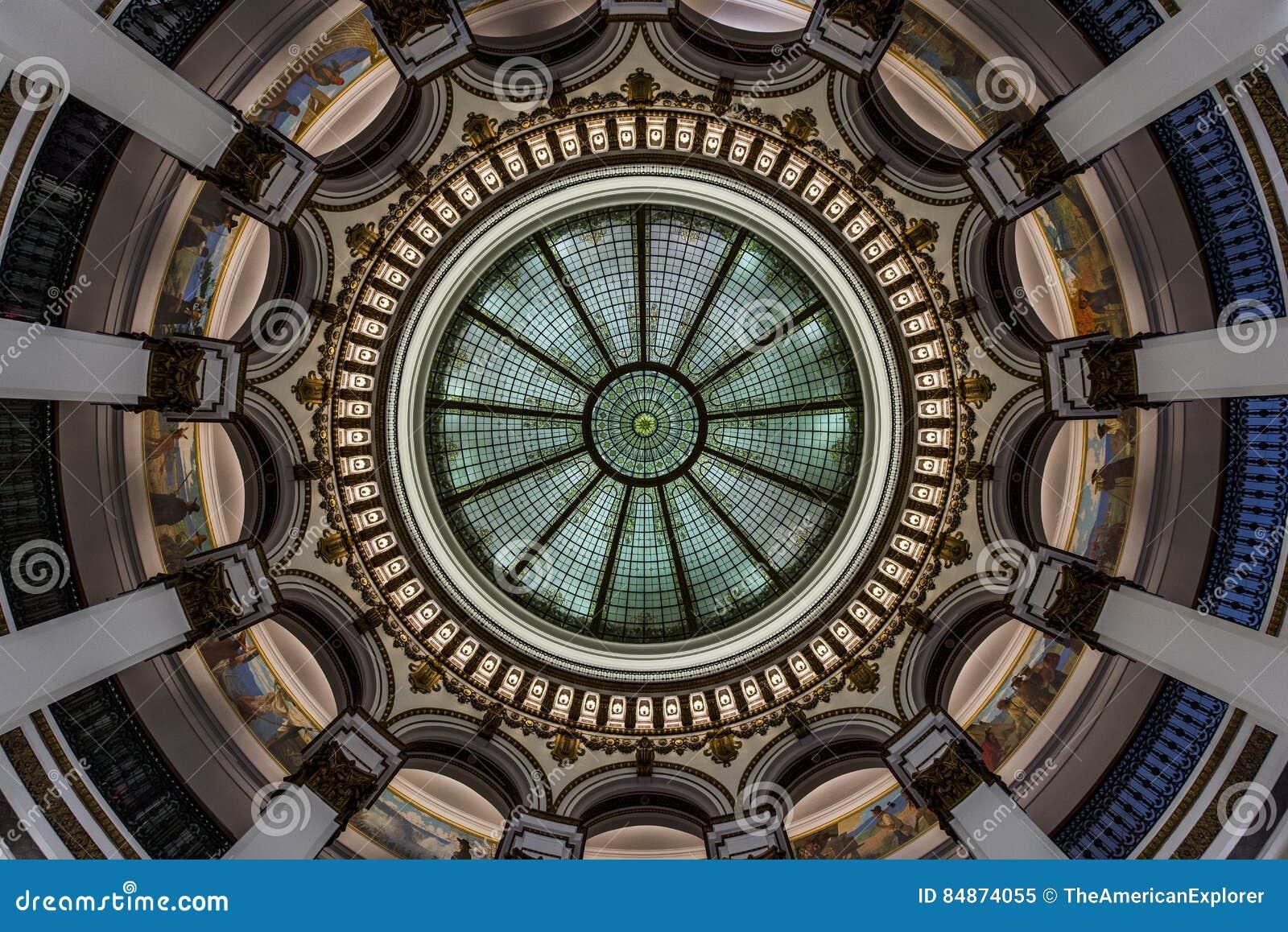 Θόλος γυαλιού - ιστορικό κτήριο - στο κέντρο της πόλης Κλίβελαντ, Οχάιο
