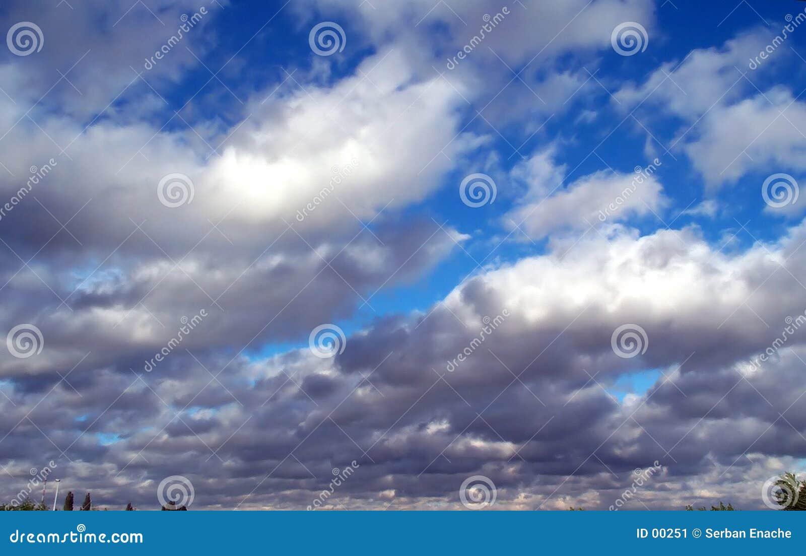 θύελλα σύννεφων