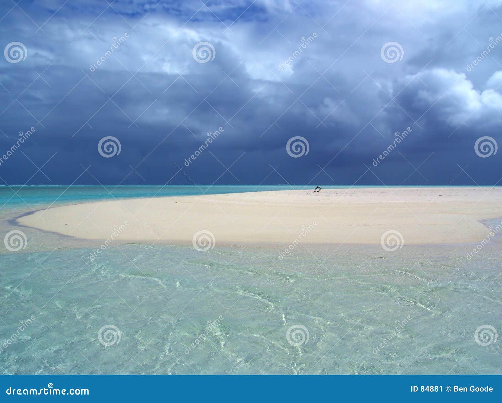 θύελλα φραγμάτων άμμου σε εκβολή ποταμού