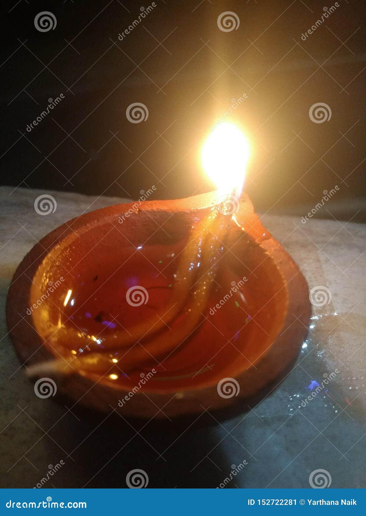 Ινδικός λαμπτήρας diwali φεστιβάλ παράδοσης ινδός