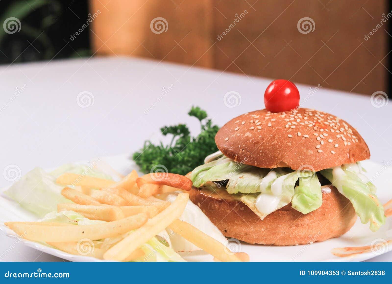 Ινδικό Burger & γαλλικό Frices