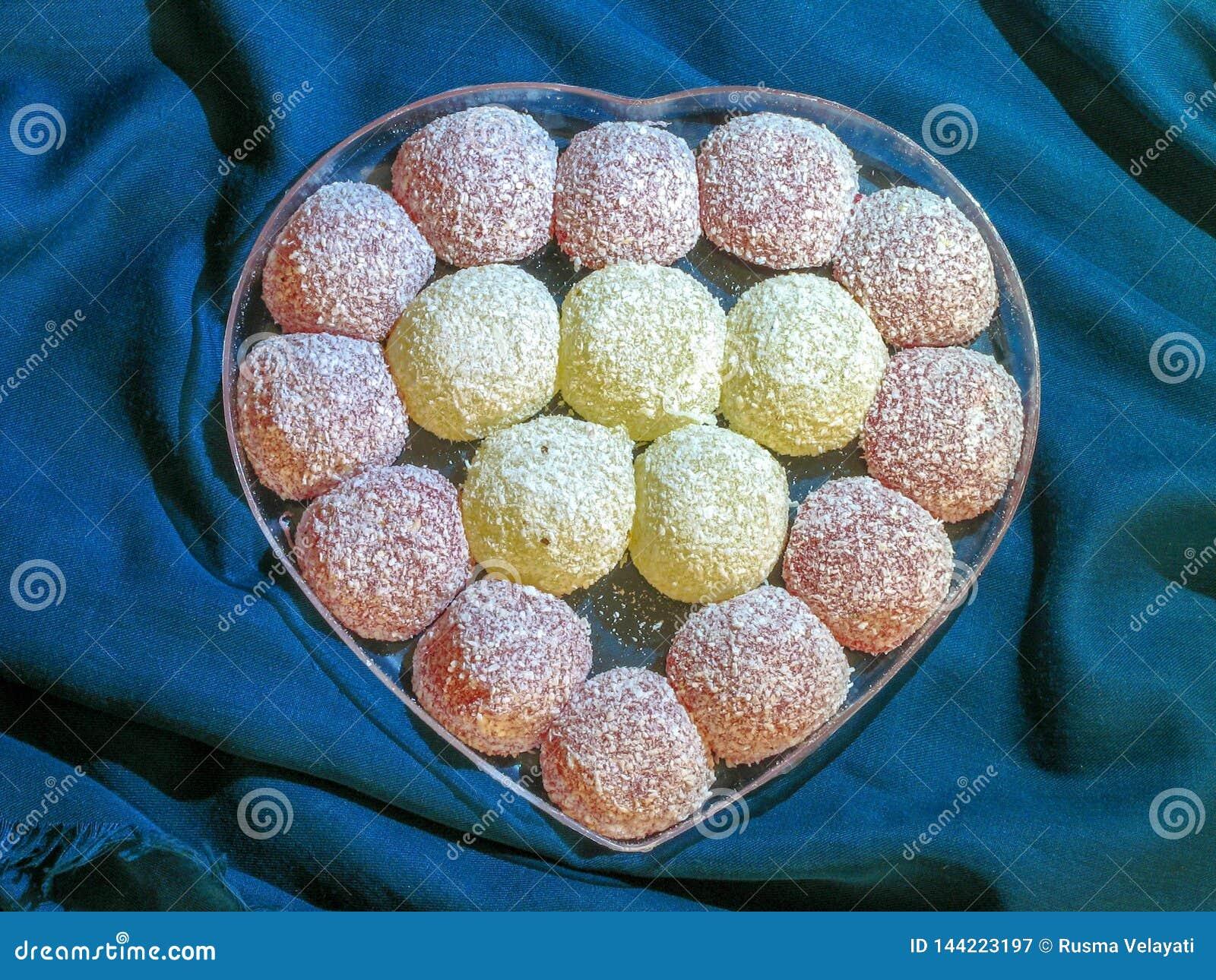 Ιρανικά γλυκά υπό μορφή καρδιάς