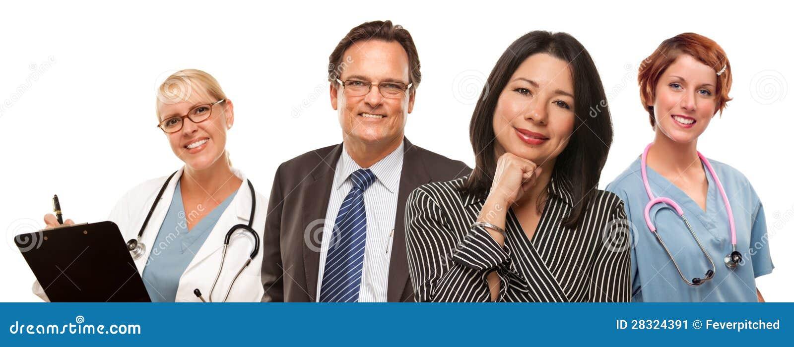Ισπανική γυναίκα με τον επιχειρηματία και τους αρσενικές γιατρούς ή τις νοσοκόμες