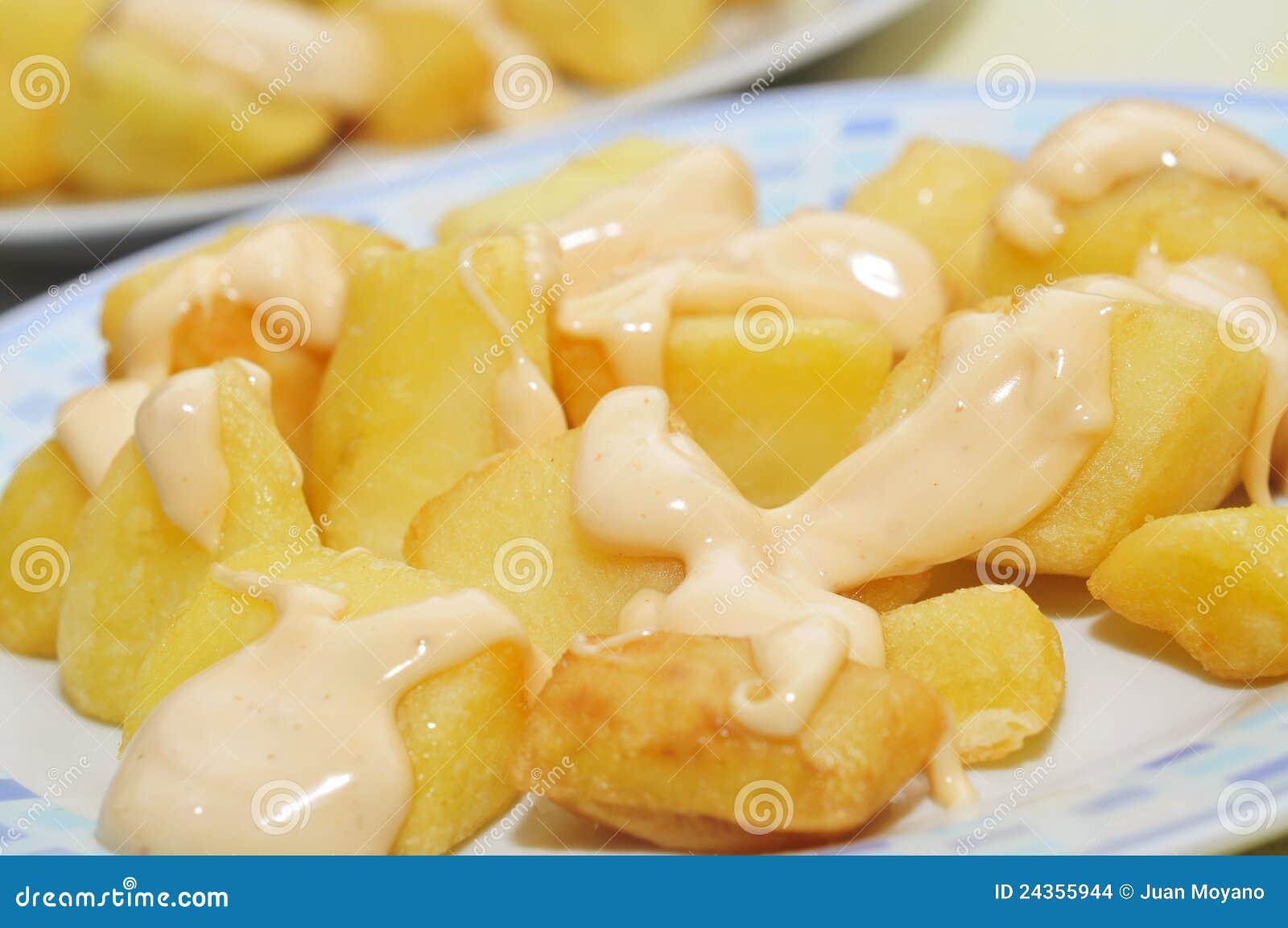 ισπανικός πικάντικος χαρακτηριστικός πατατών patatas bravas