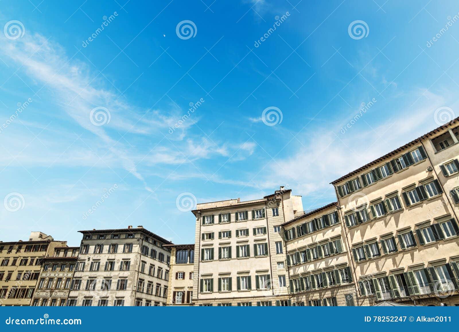 Ιστορικά κτήρια στην πλατεία Santa Croce