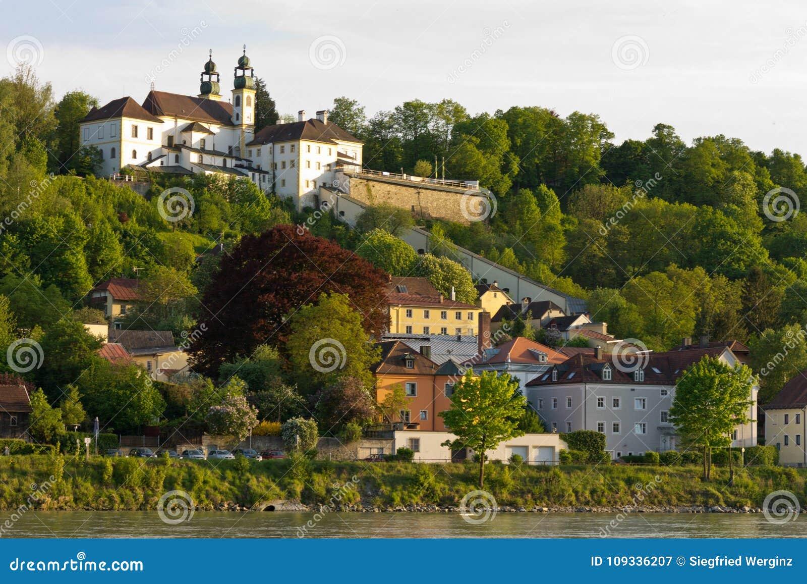 Ιστορικά κτήρια του Πάσσαου τράπεζας Δούναβη