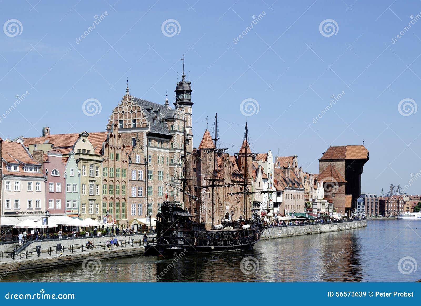 Download Ιστορική παλαιά πόλη του Γντανσκ στην Πολωνία Εκδοτική Στοκ Εικόνα - εικόνα από αρχιτεκτονικής, τουρισμός: 56573639