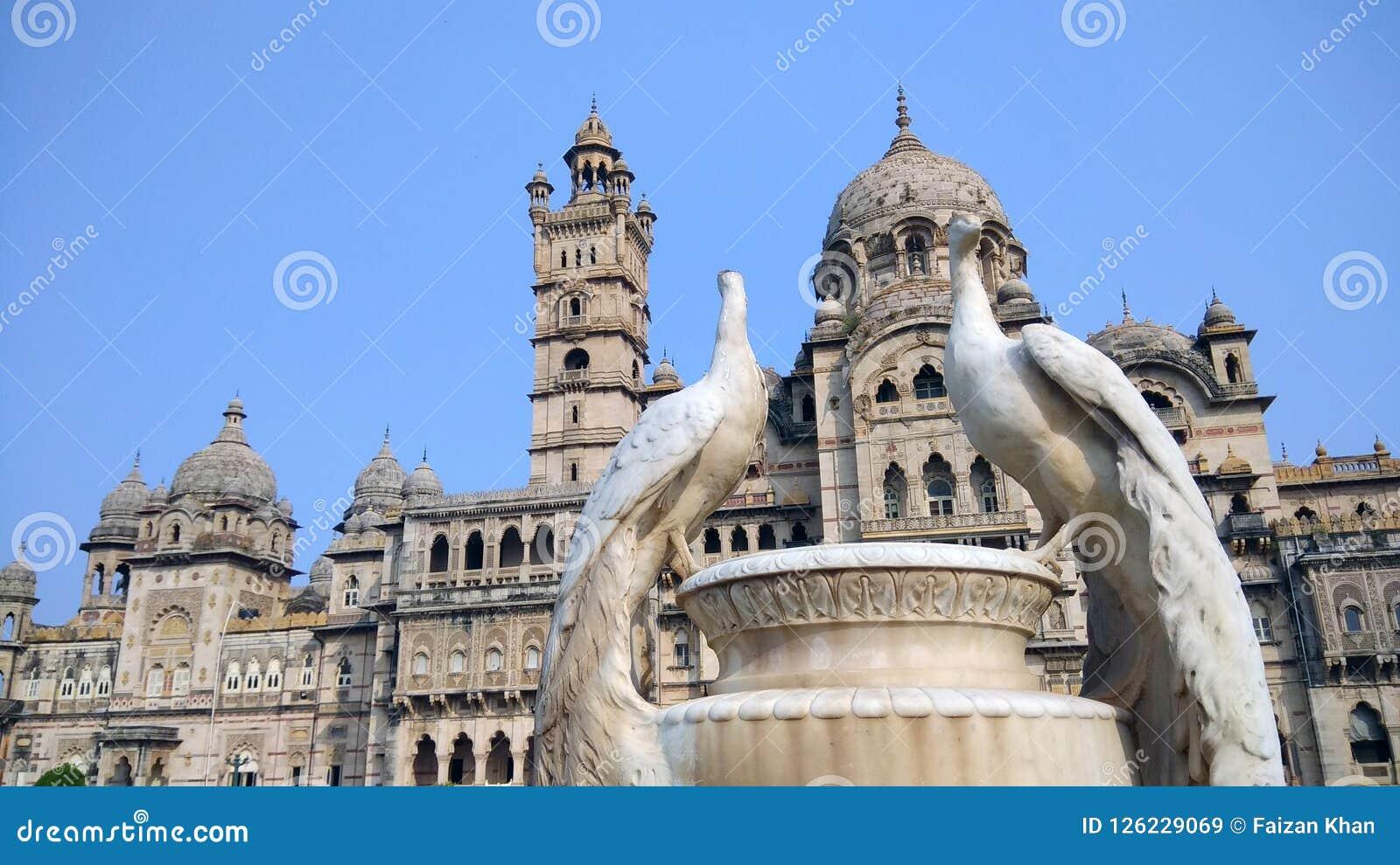 Ιστορικό ινδικό παλάτι Vadodara
