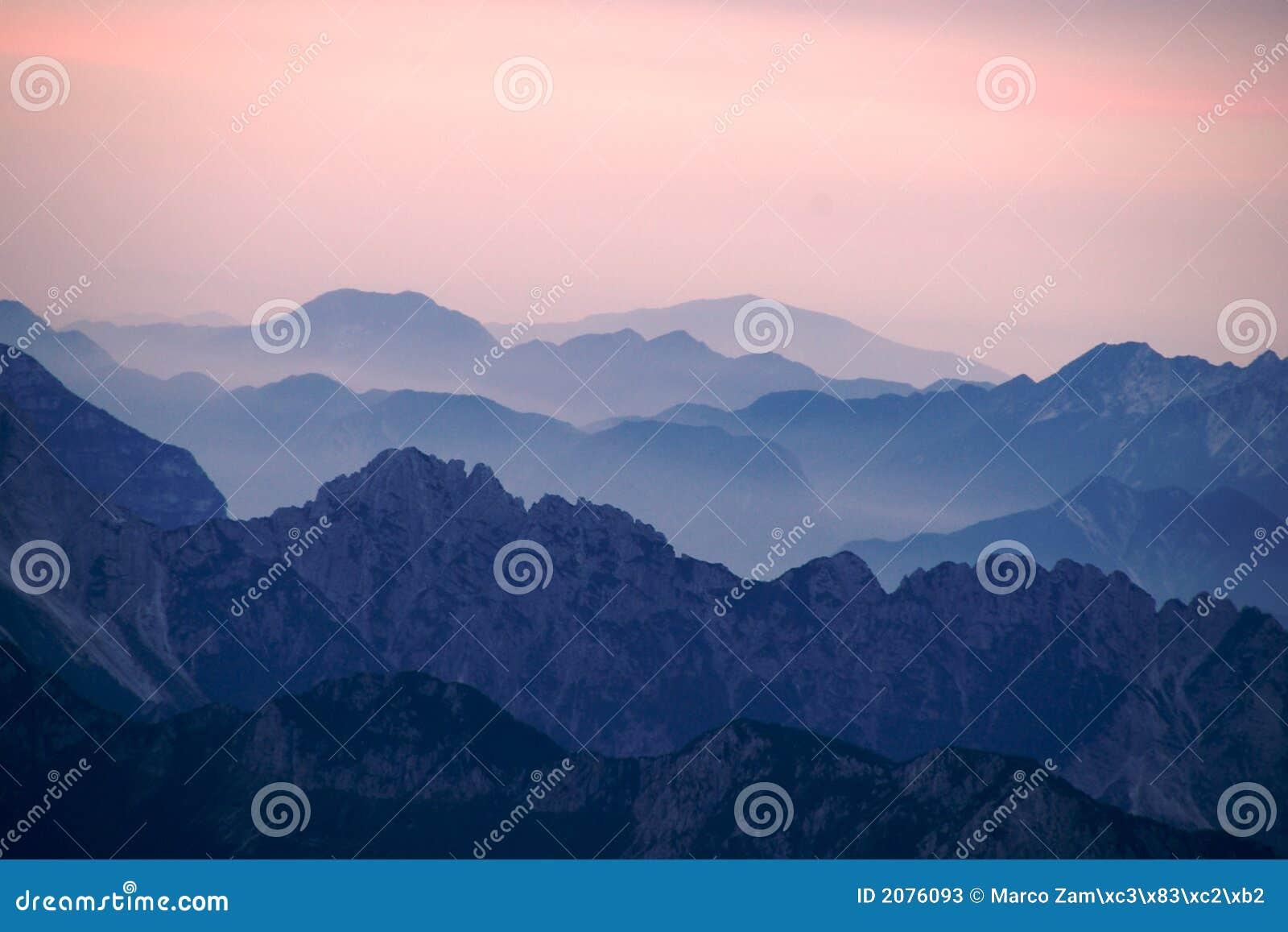ιταλικά βουνά αυγής