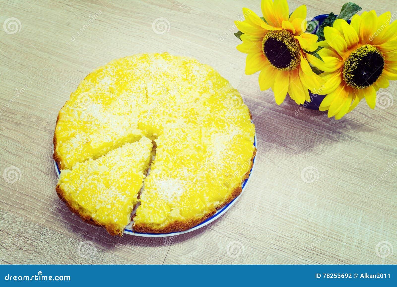 Κέικ ανανά και καρύδων