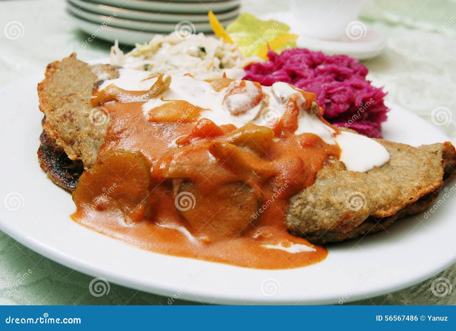 Download Κέικ πατατών στοκ εικόνες. εικόνα από πράσινος, μαρούλι - 56567486