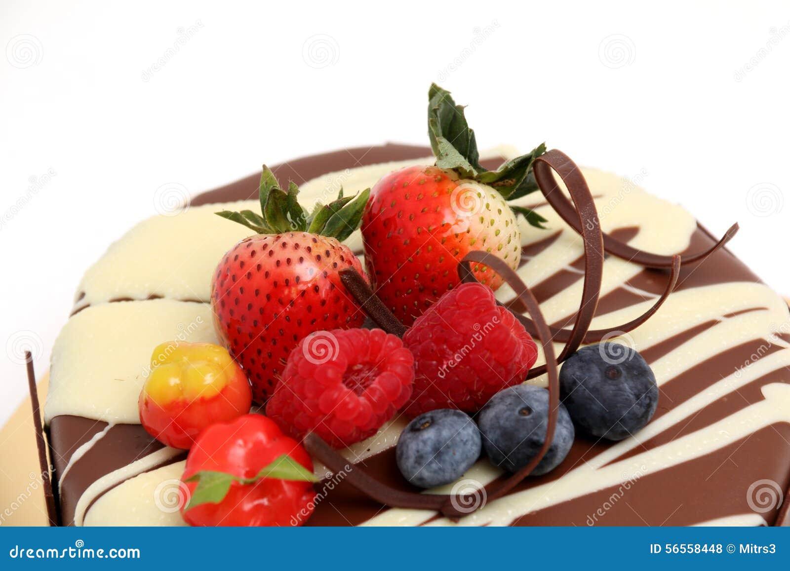 Κέικ σοκολάτας με το κάλυμμα φραουλών