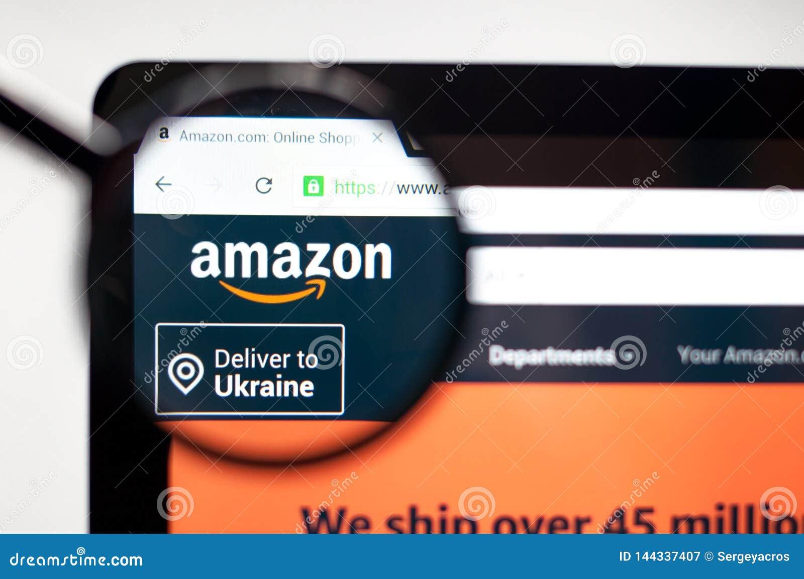 Κίεβο, Ουκρανία - 5 Απριλίου 2019: Αρχική σελίδα ιστοχώρου του Αμαζονίου Είναι ένα αμερικανικό ηλεκτρονικό εμπόριο και υπολογίζον