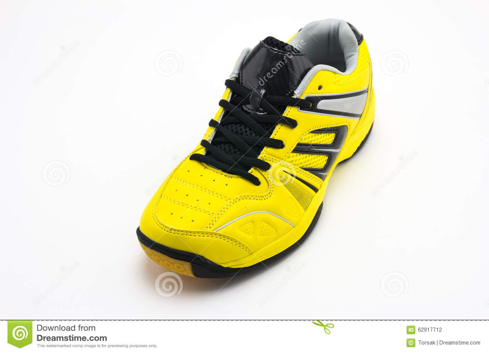 8e645a49971 Κίτρινα αθλητικά παπούτσια στοκ εικόνες. εικόνα από accidence - 62917712