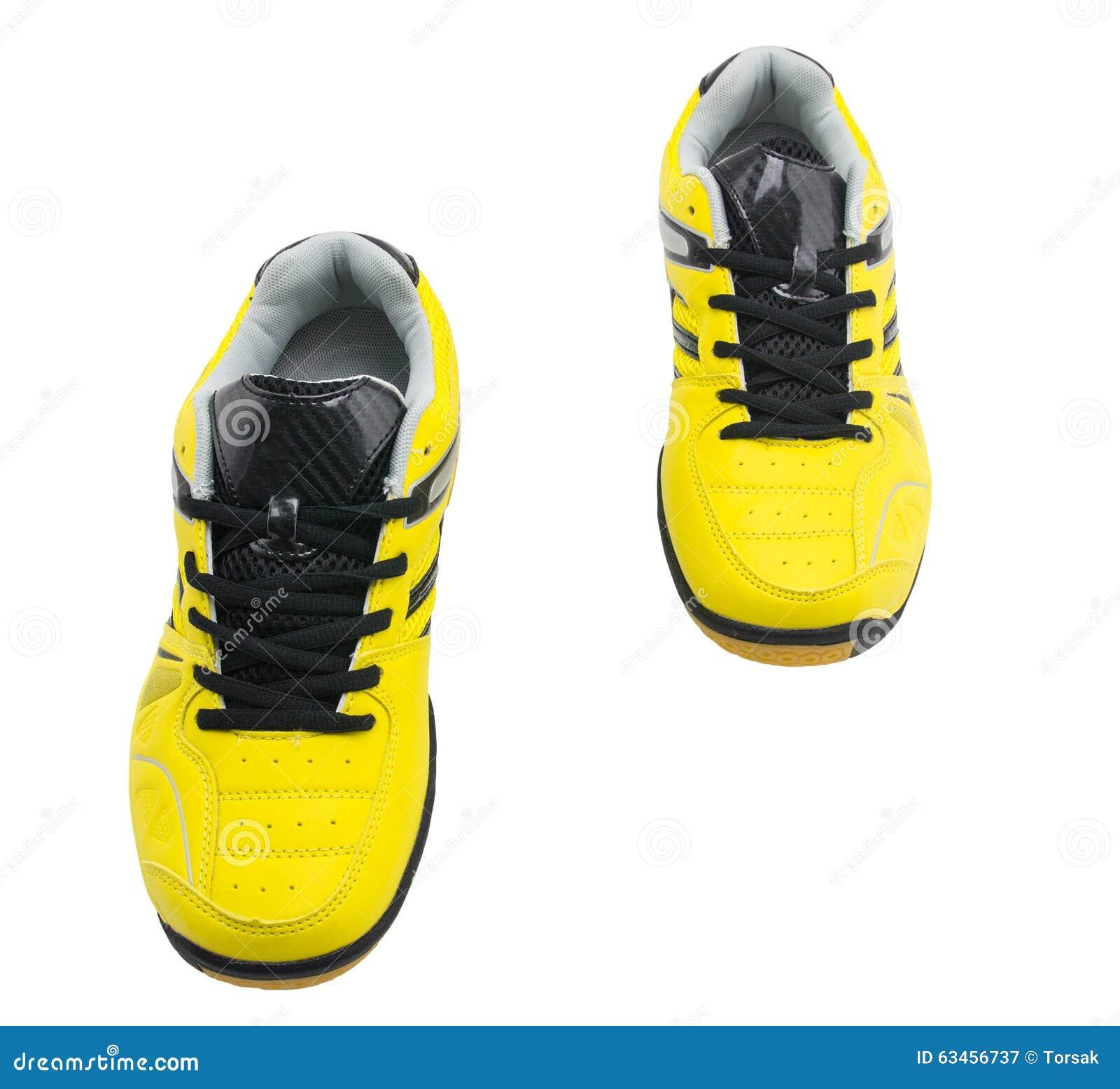 147f727e16a Κίτρινα αθλητικά παπούτσια στοκ εικόνα. εικόνα από άσκηση - 63456737