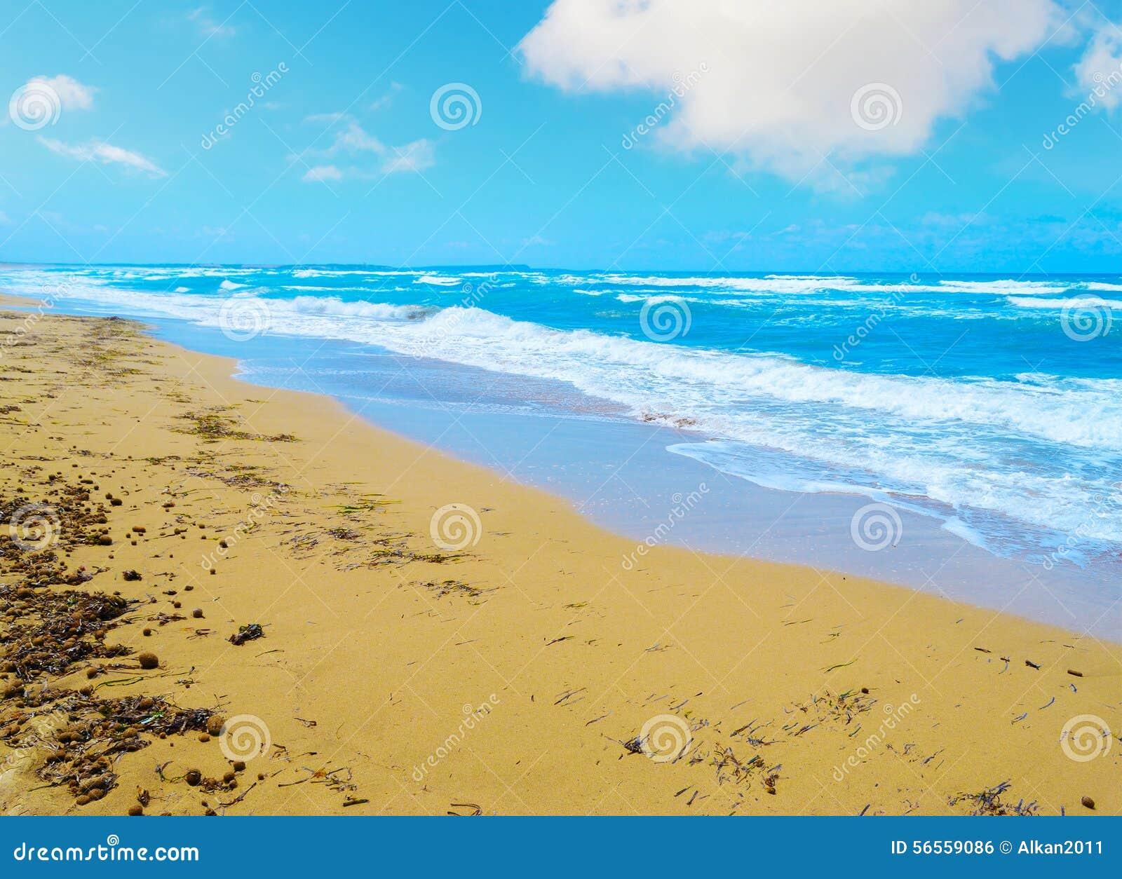 Download Κίτρινη και μπλε ακτή στη Σαρδηνία Στοκ Εικόνες - εικόνα από ειρήνη, θέρετρο: 56559086